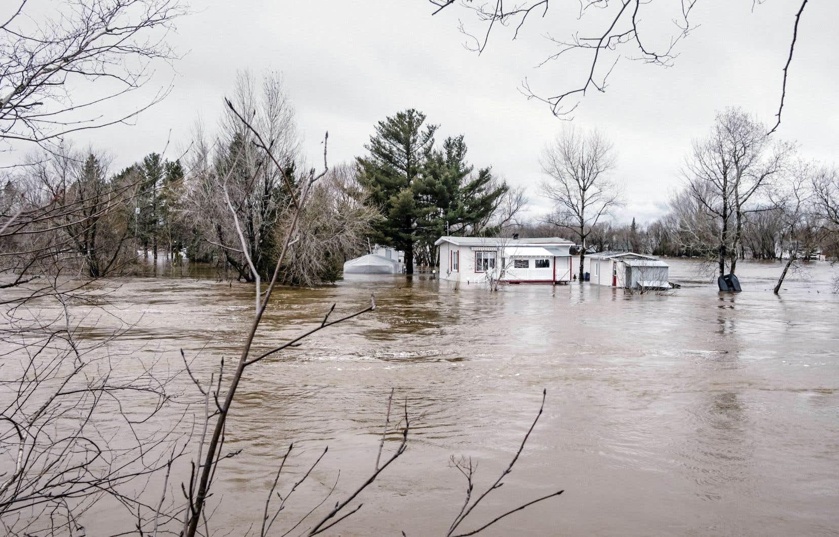 Inondation à Lévis en avril 2018. Avec les changements climatiques, ce genre d'événement est voué à se produire plus souvent.