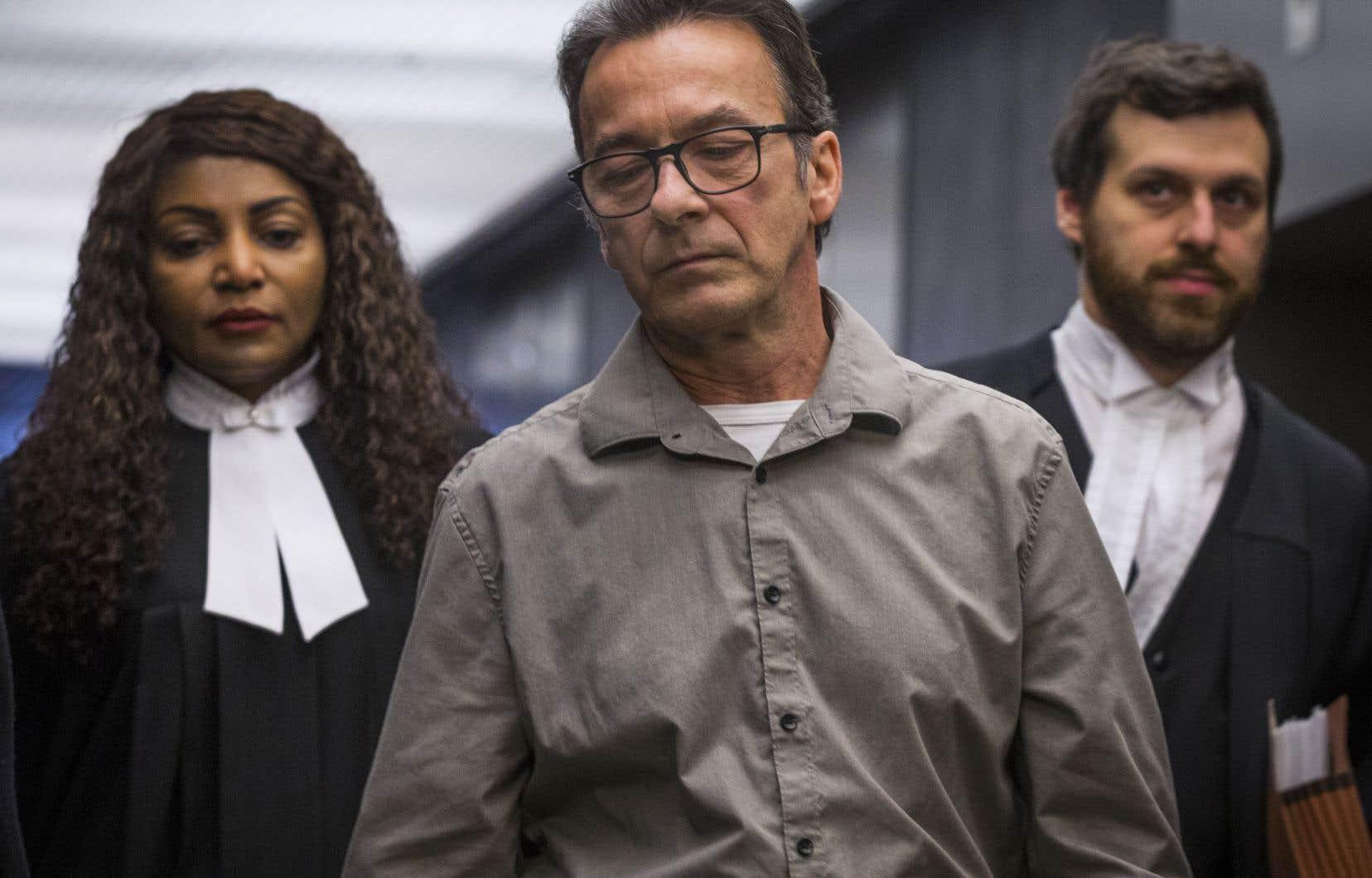 Michel Cadotte est accusé du meurtre non prémédité de son épouse, Jocelyne Lizotte, atteinte d'alzheimer, le 20février 2017.