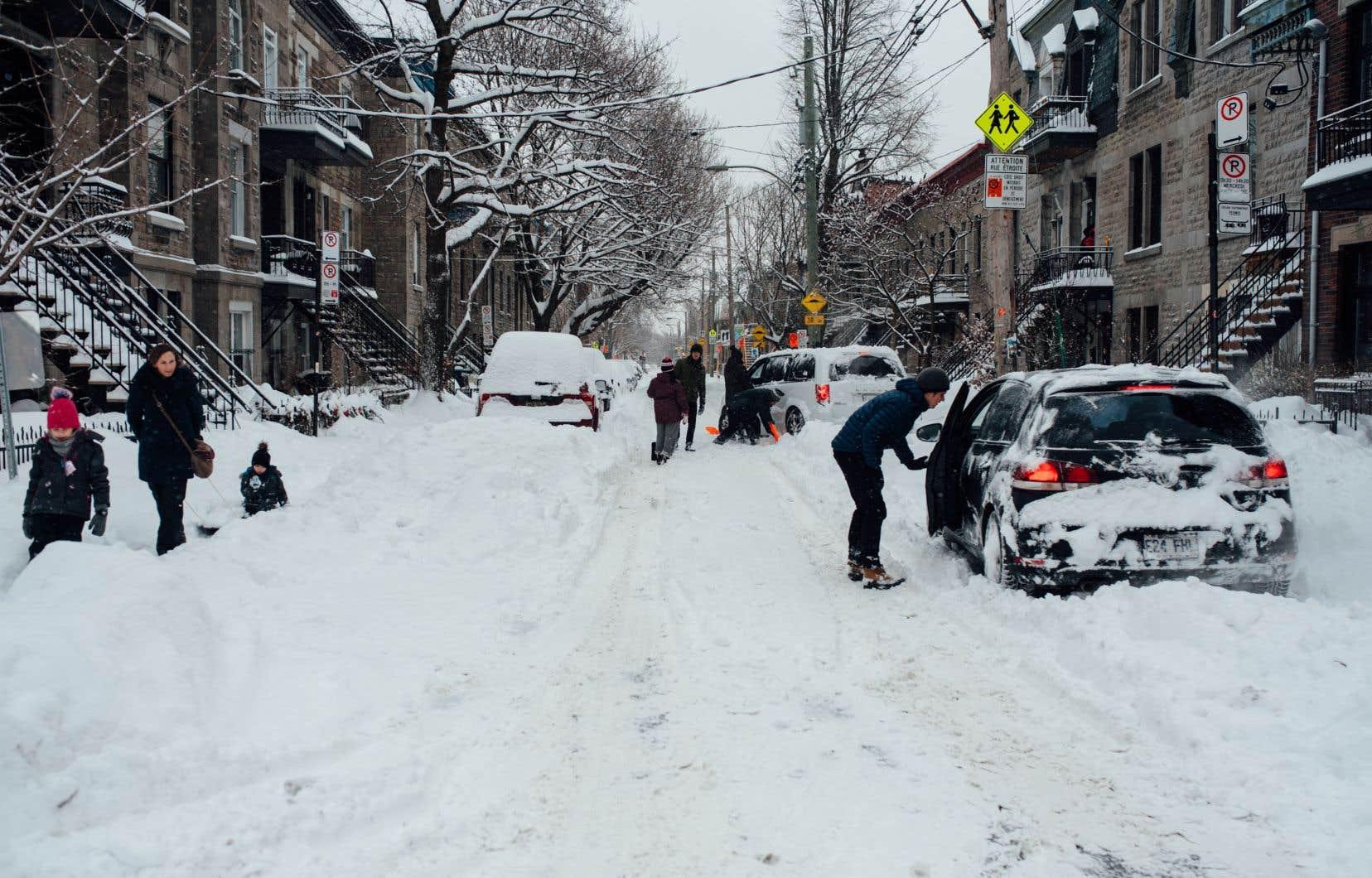 Montréal s'est retrouvée mercredi matin sous un manteau blanc d'une quarantaine de centimètres.