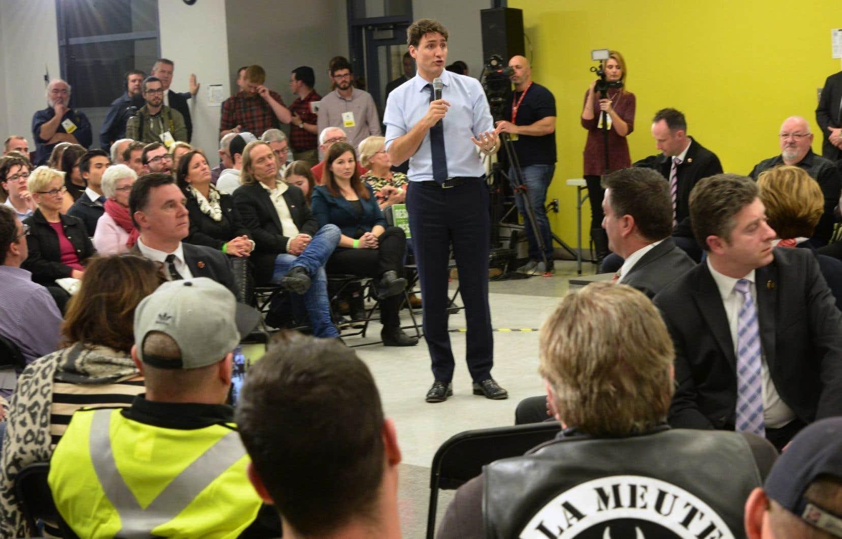 Depuis le début de l'année, le premier ministre libéral, Justin Trudeau, a été pris à partie à plusieurs reprises, lors de bains de foules ou de débats publics, par des personnes vêtues de gilets jaunes.