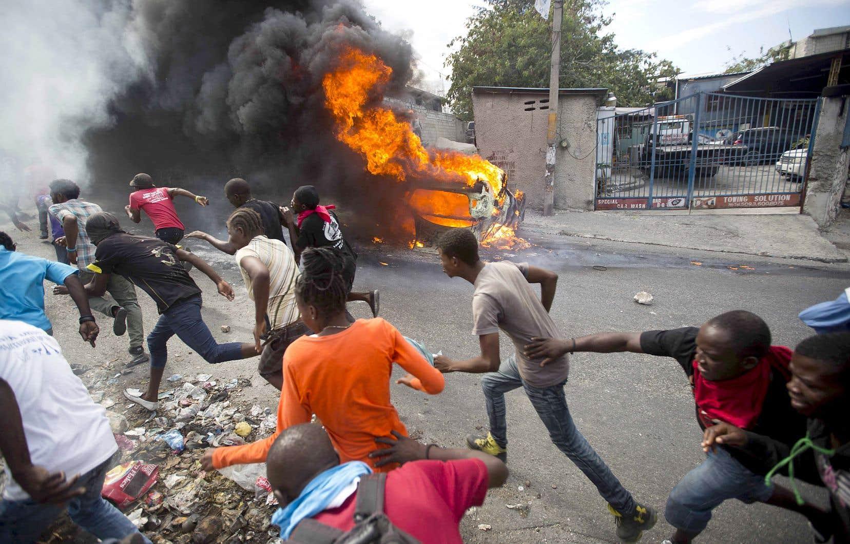 Haïti s'embrase depuis jeudi dernier, après l'appel lancé par l'opposition pour réclamer la démission du président Jovenel Moïse.<br /> <br />