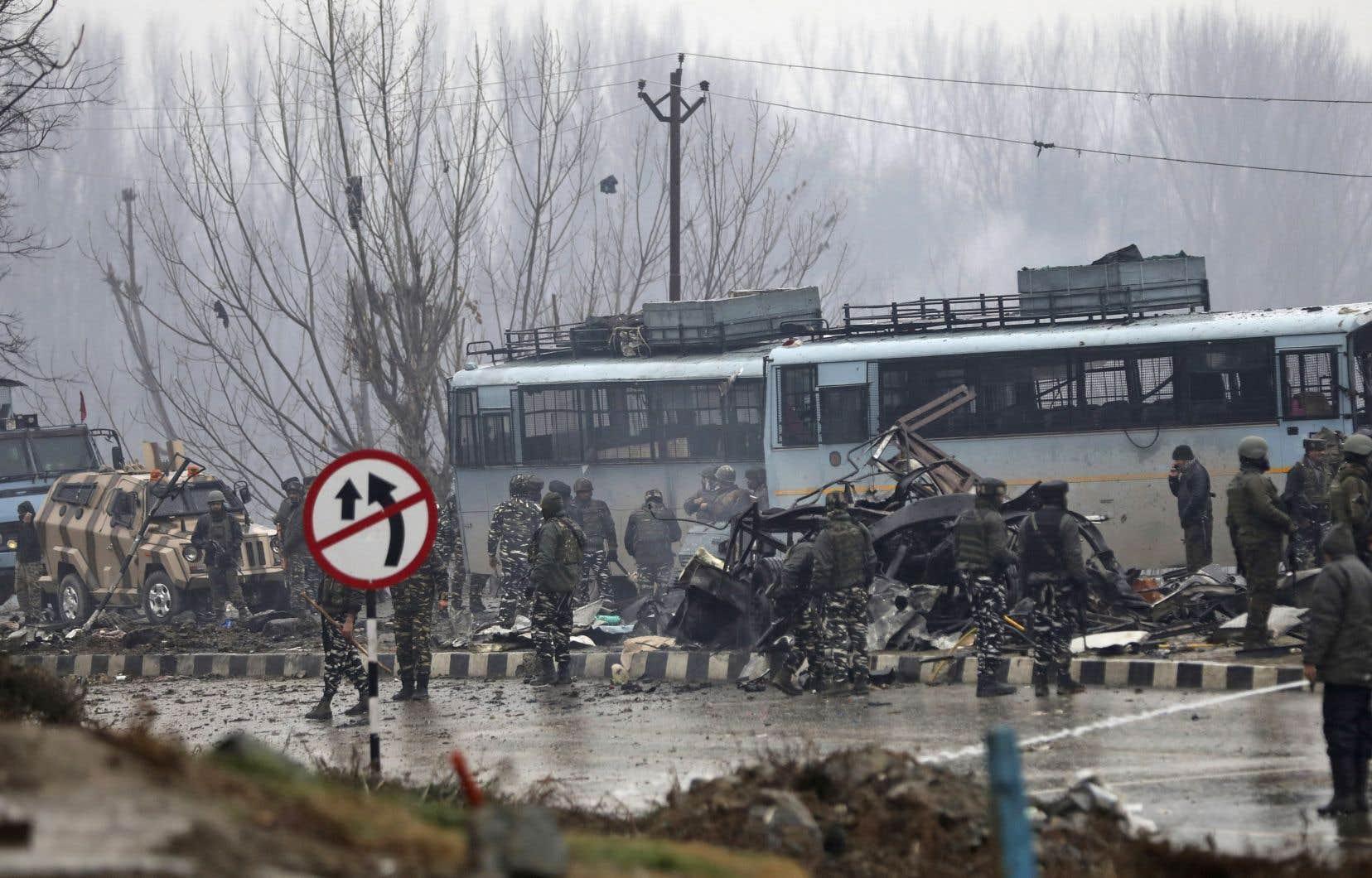 C'est l'attaque la plus meurtrière depuis le début de l'insurrection dans cette région poudrière disputée avec le Pakistan.