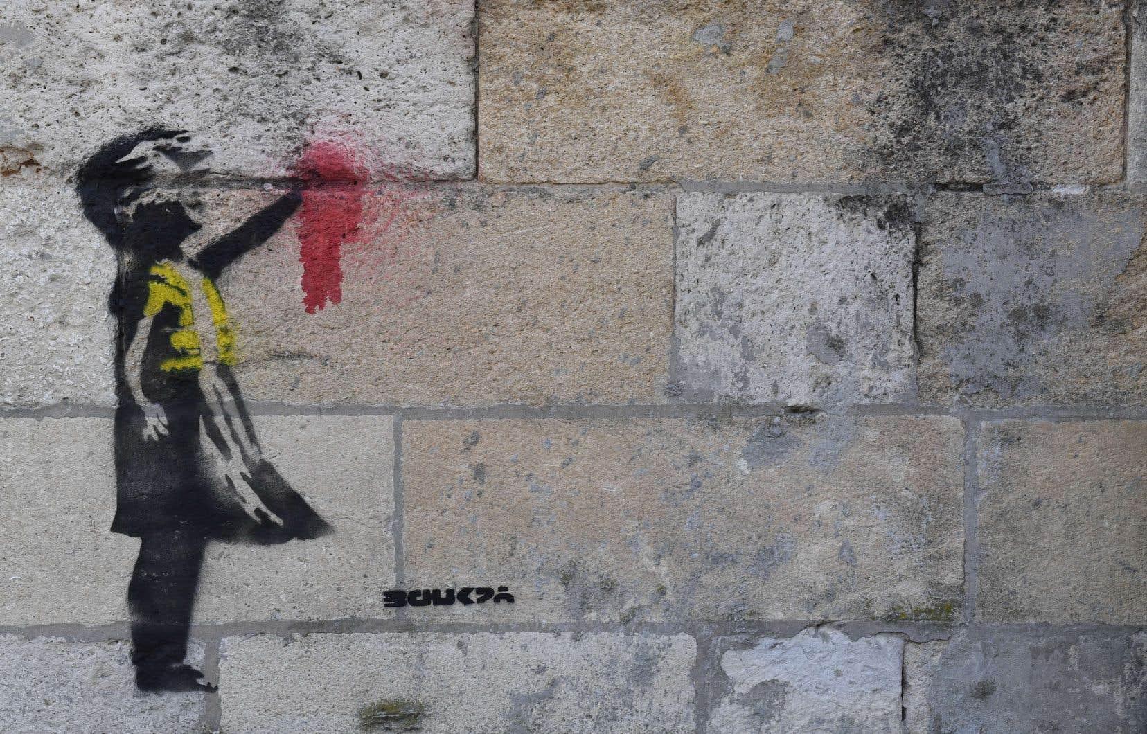 Même si de lourds doutes planent sur son authenticité, cette oeuvre agite les réseaux sociaux qui veulent y voir un possible soutien de Banksy aux luttes des «gilets jaunes».