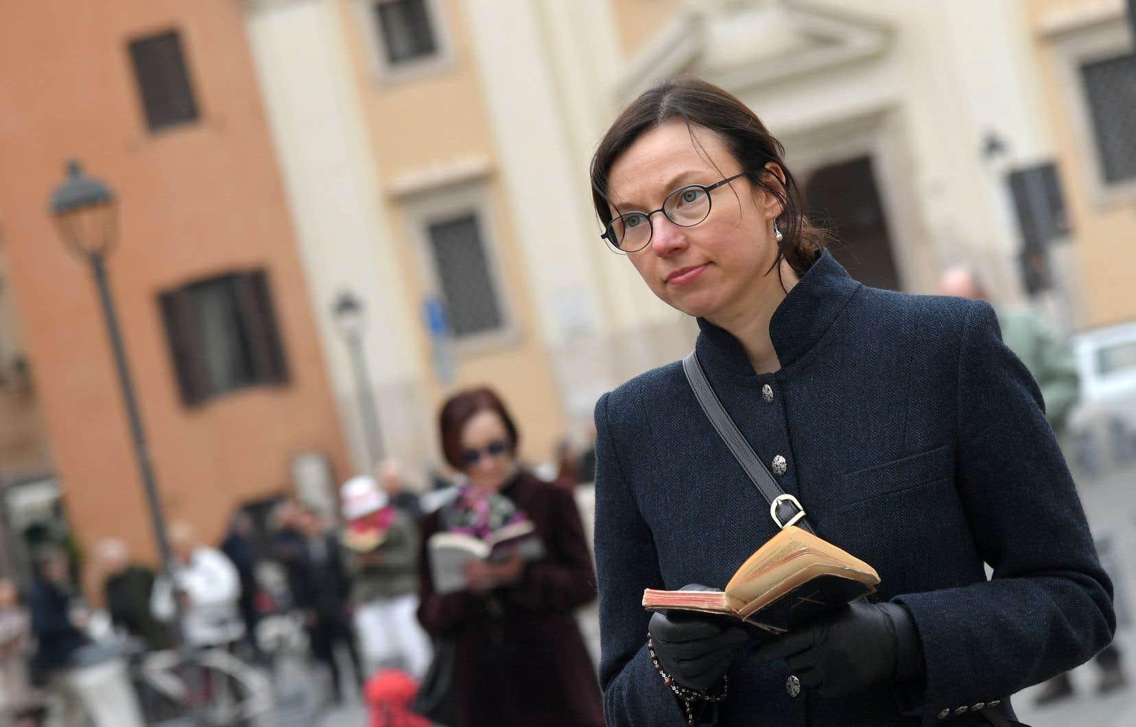 Les membres d'une coalition internationale de laïcs dénommée Acies Ordinata ont manifesté à Rome pour dénoncer ce qu'ils appellent un «mur du silence» concernant les abus sexuels commis sur des enfants au sein de l'Église catholique.