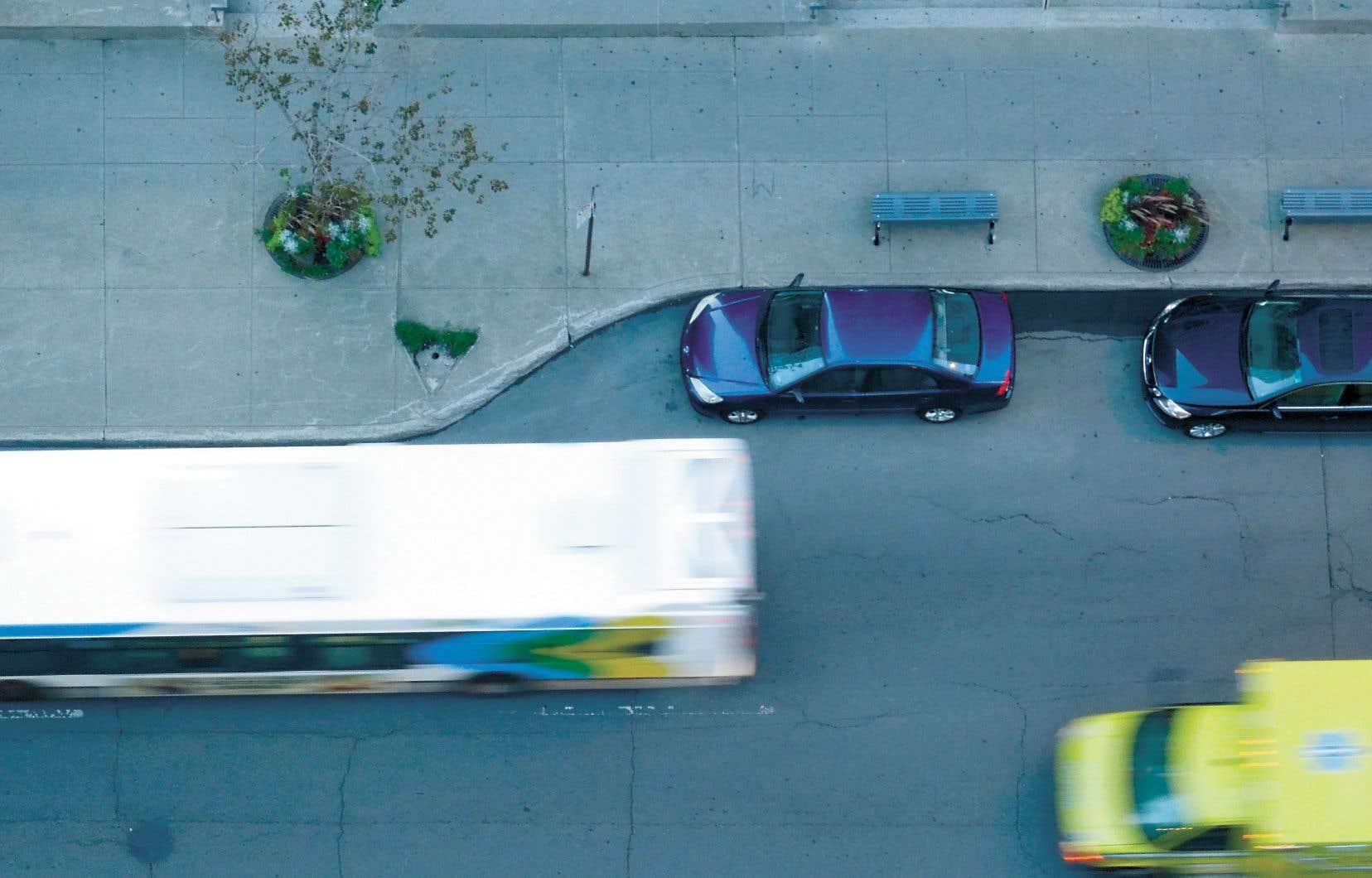 «Le très beau message de la métropole [...], c'est de vouloir partir du transport collectif et de greffer le reste. On n'essaye pas d'augmenter la place de la voiture individuelle, mais plutôt de la relativiser sans diminuer le confort et la qualité de déplacement», expliqueJean-François Tremblay, président-directeur général de Jalon