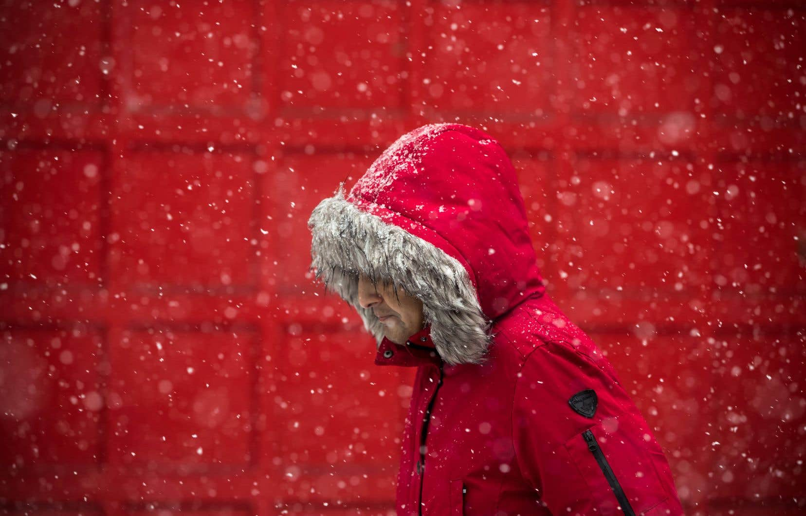 Si le Québec sera frappé par un cocktail météo dimanche, le reste du Canada ne sera pas en reste. Vendredi, la neige avait commencé à tomber à Vancouver, où l'on attendait des accumulations de 15 centimètres.