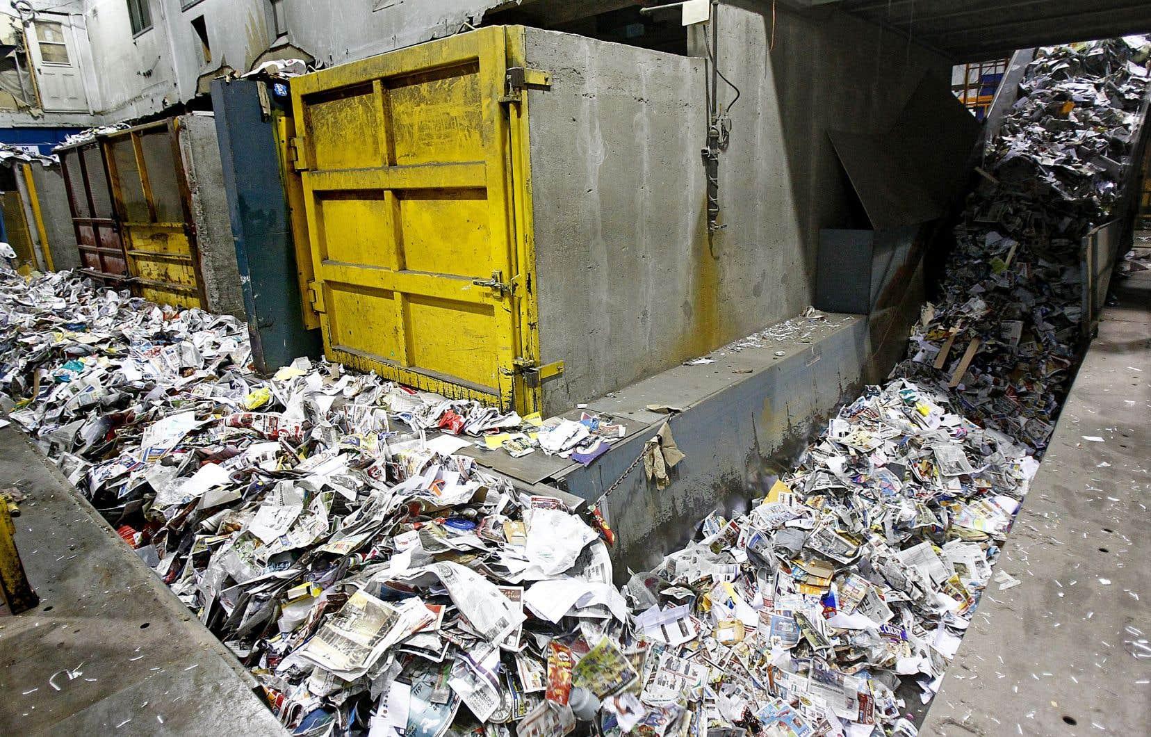 Les médias imprimés participent au financement de la collecte sélective des municipalités, mais la facture ne cesse de grimper.