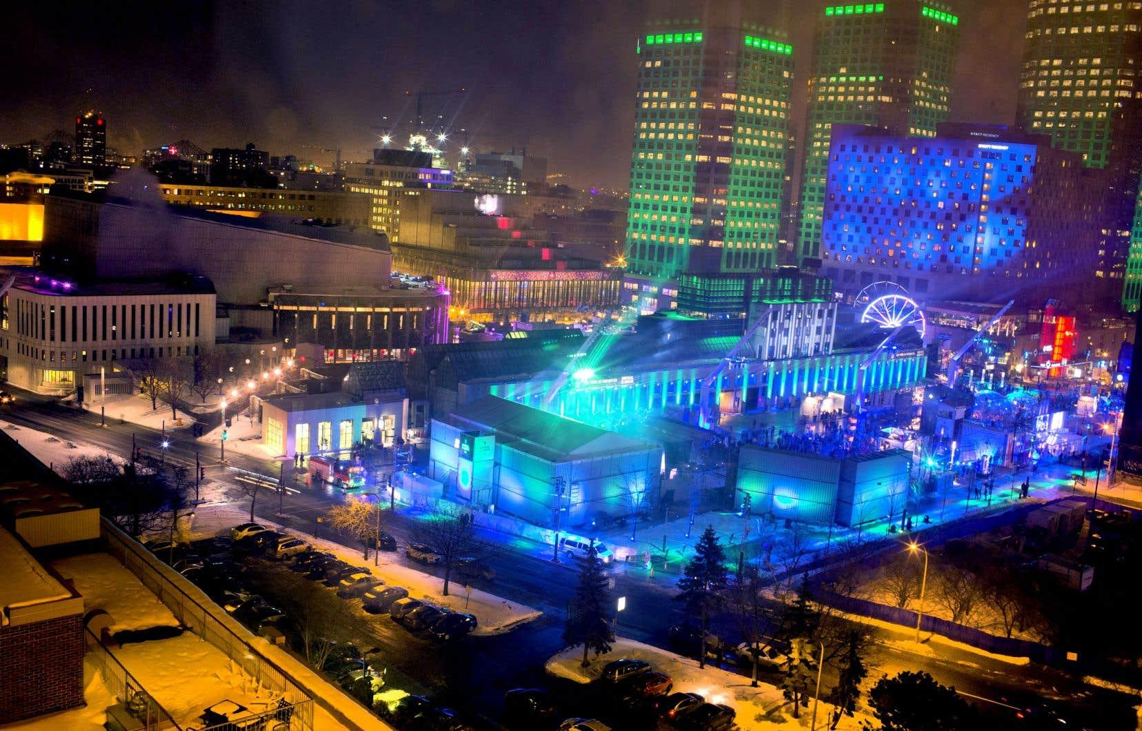 Le Quartier des spectacles et sa place des Festivals — aménagés en 2009 au coût de 200millions de dollars — ont connu d'importants changements au cours de la dernière décennie.