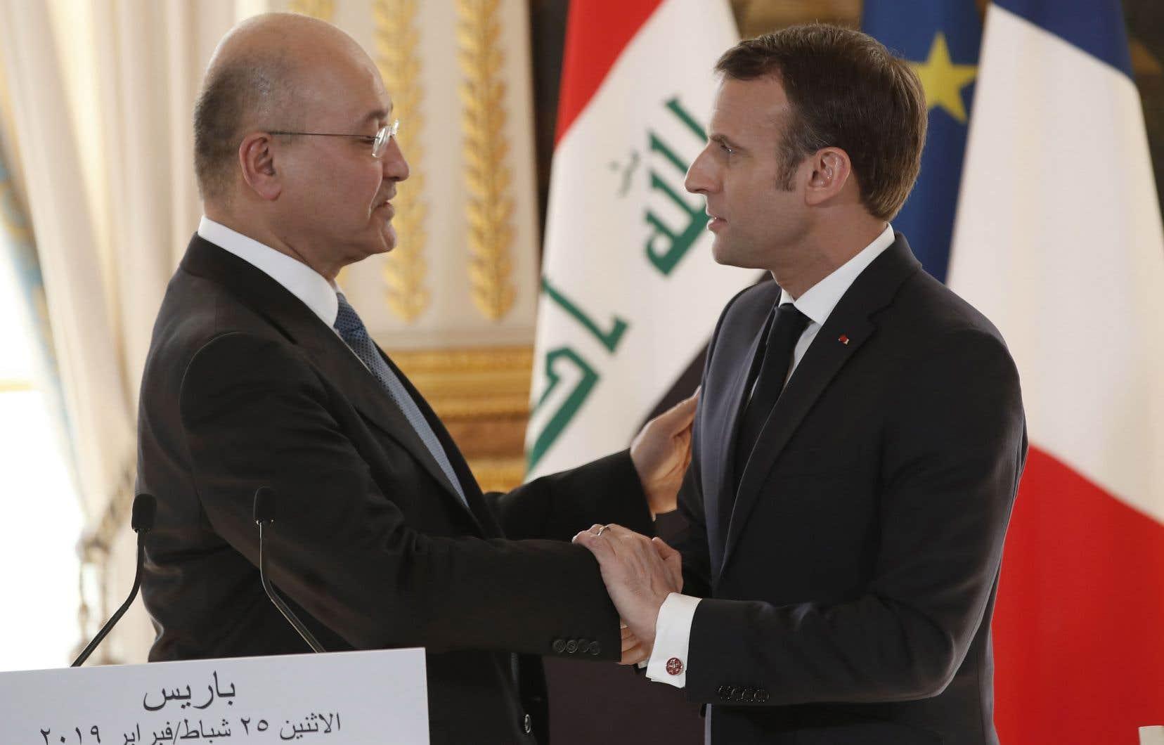 Le président irakien, Barham Saleh, en compagnie de son homologue français, Emmanuel Macron, lundi, à Paris