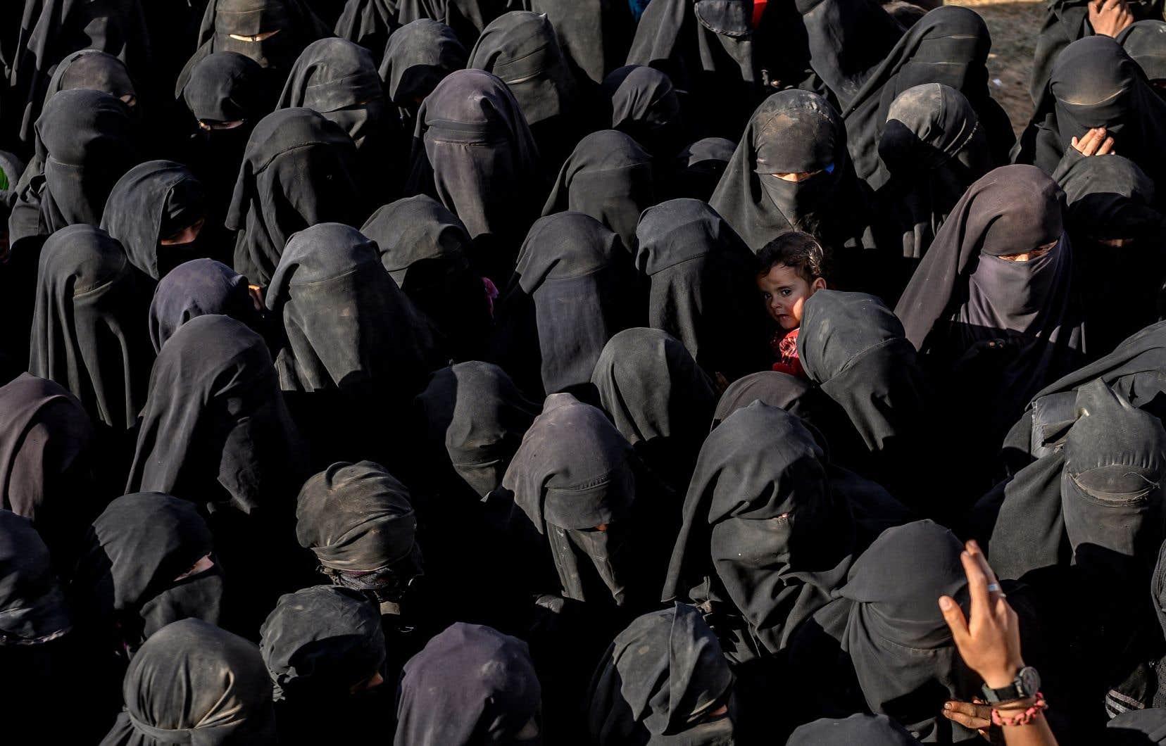 Plus de 7000 personnes ont fui Baghouz depuis dimanche, a indiqué à l'AFP un porte-parole des FDS.