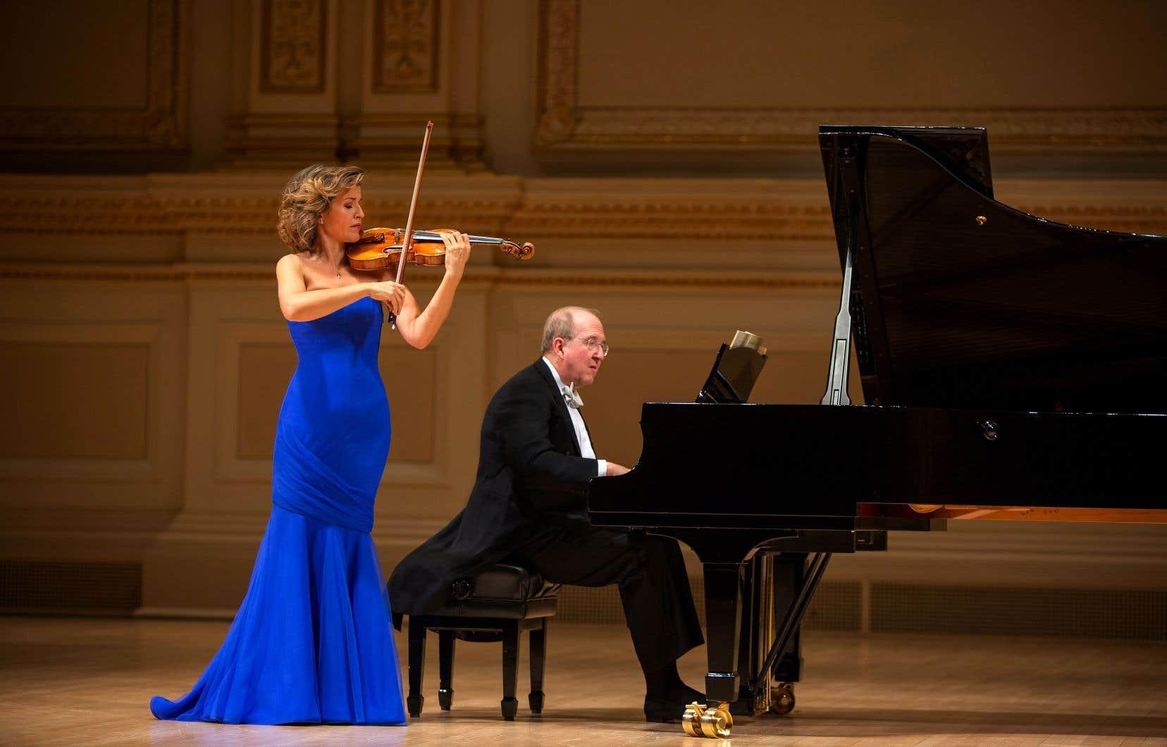 La violoniste Anne-Sophie Mutter sera de passage à la Maison symphonique de Montréal vendredi, avec le pianiste Lambert Orkis, pour offrir un récital où Mozart côtoie des compositeurs français du début du XXesiècle.