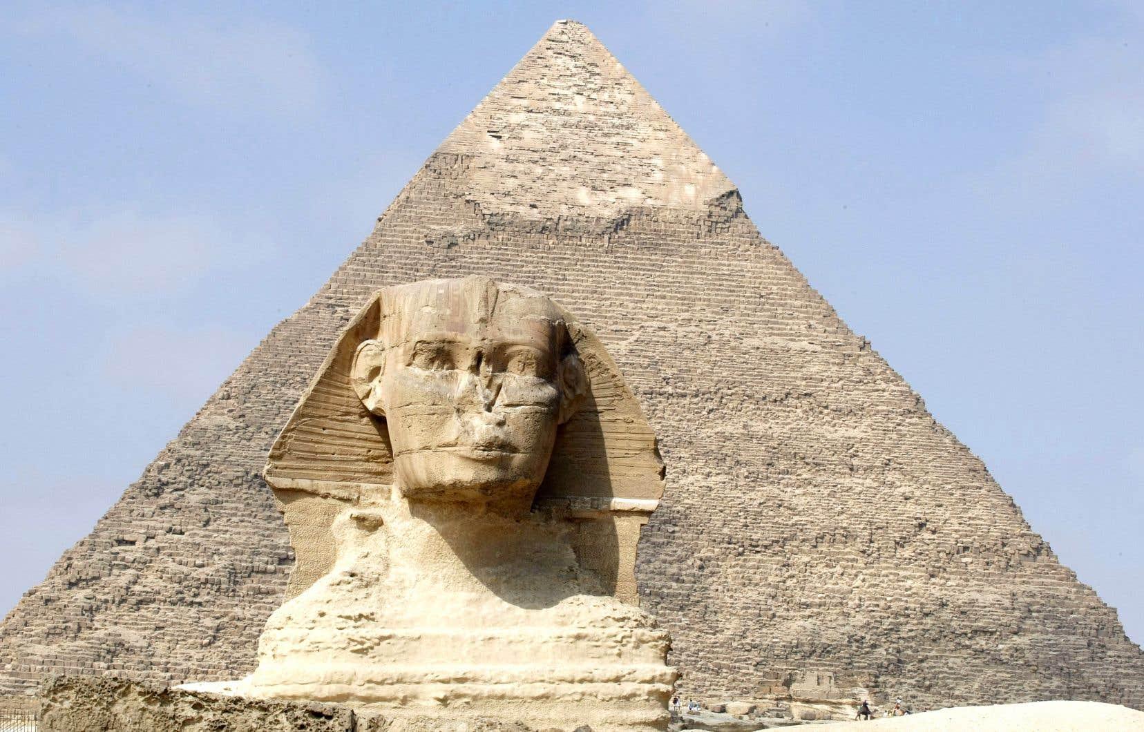 Les Égyptiens de la fin de l'époque pharaonique, de même que les Perses, les Grecs et les Romains qui ont par la suite assumé le pouvoir politique en Égypte, ont réalisé que la dépendance au Nil pouvait être problématique.