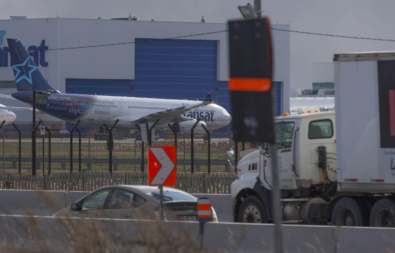 Selon Air Transat, tous les 189 passagers du Boeing 737 ont été évacués.