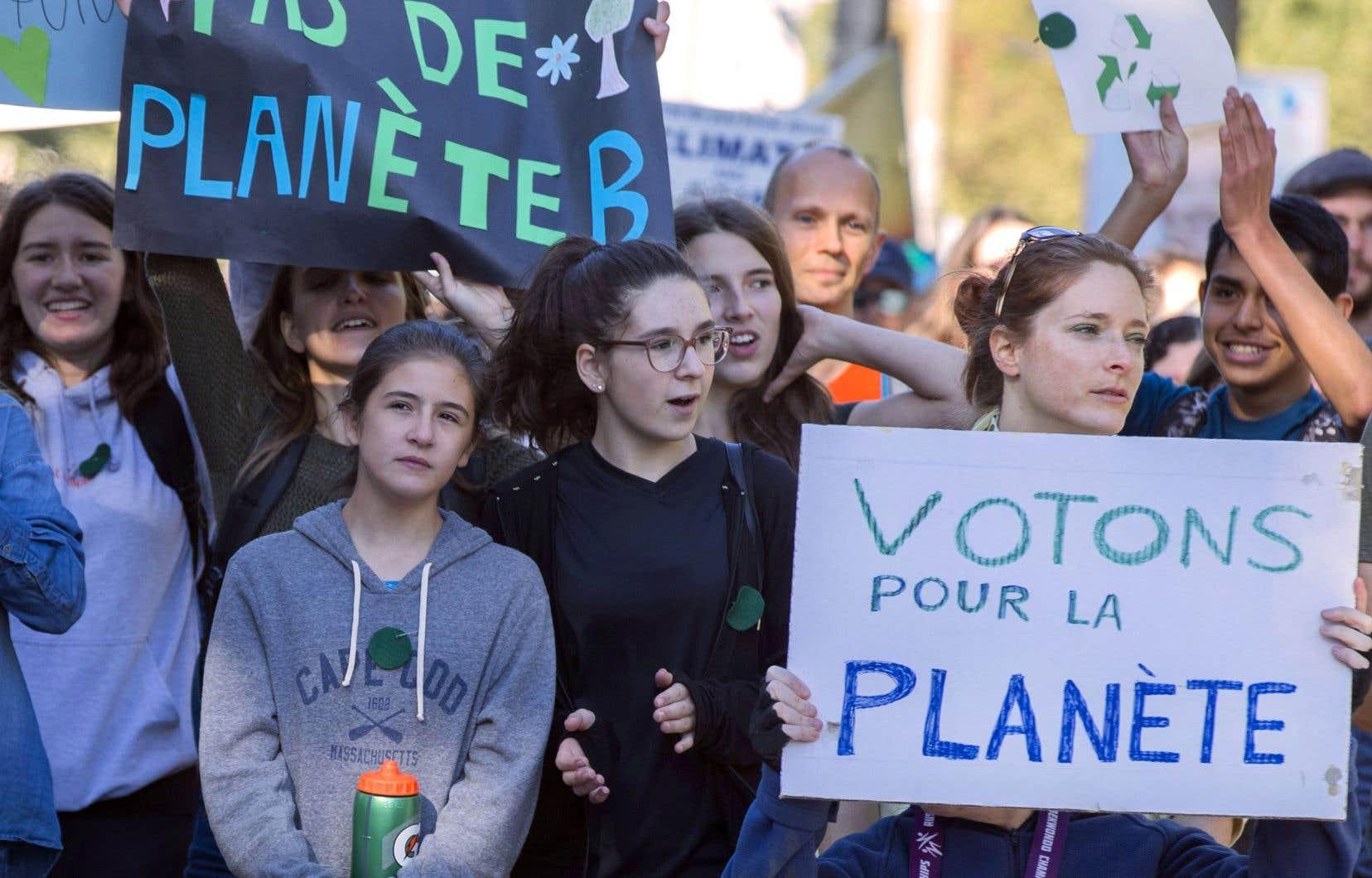 Le 8 septembre dernier, de nombreux jeunes avaient manifesté à Montréal lors de la marche planétaire pour le climat.