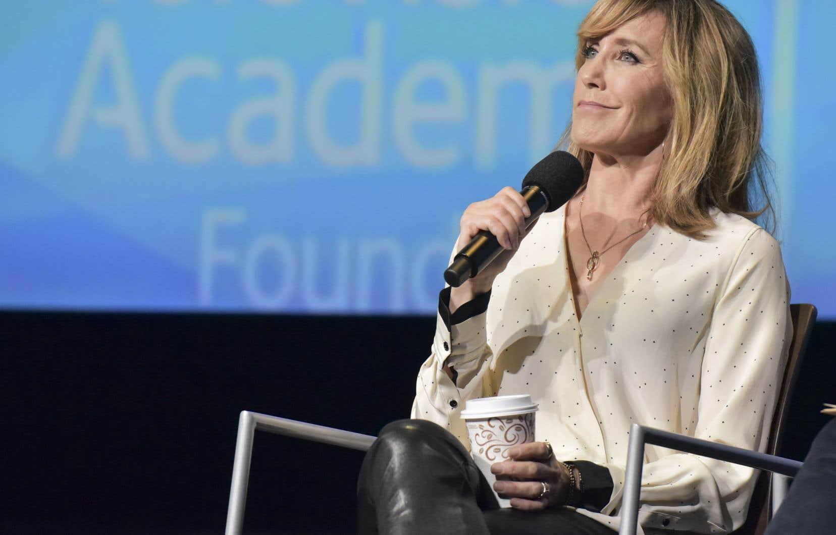 L'actrice Felicity Huffman compte parmi les vedettes ont été accusées mardi dans une affaire de pots-de-vin.