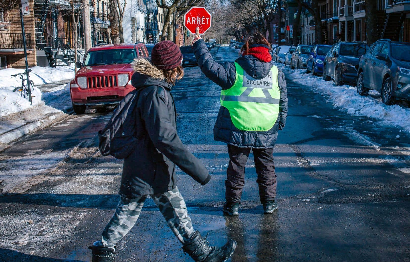 À l'heure actuelle, le nombre d'intersections dotées de brigadiers s'élève à 521 à Montréal pour un budget de 9 millions.