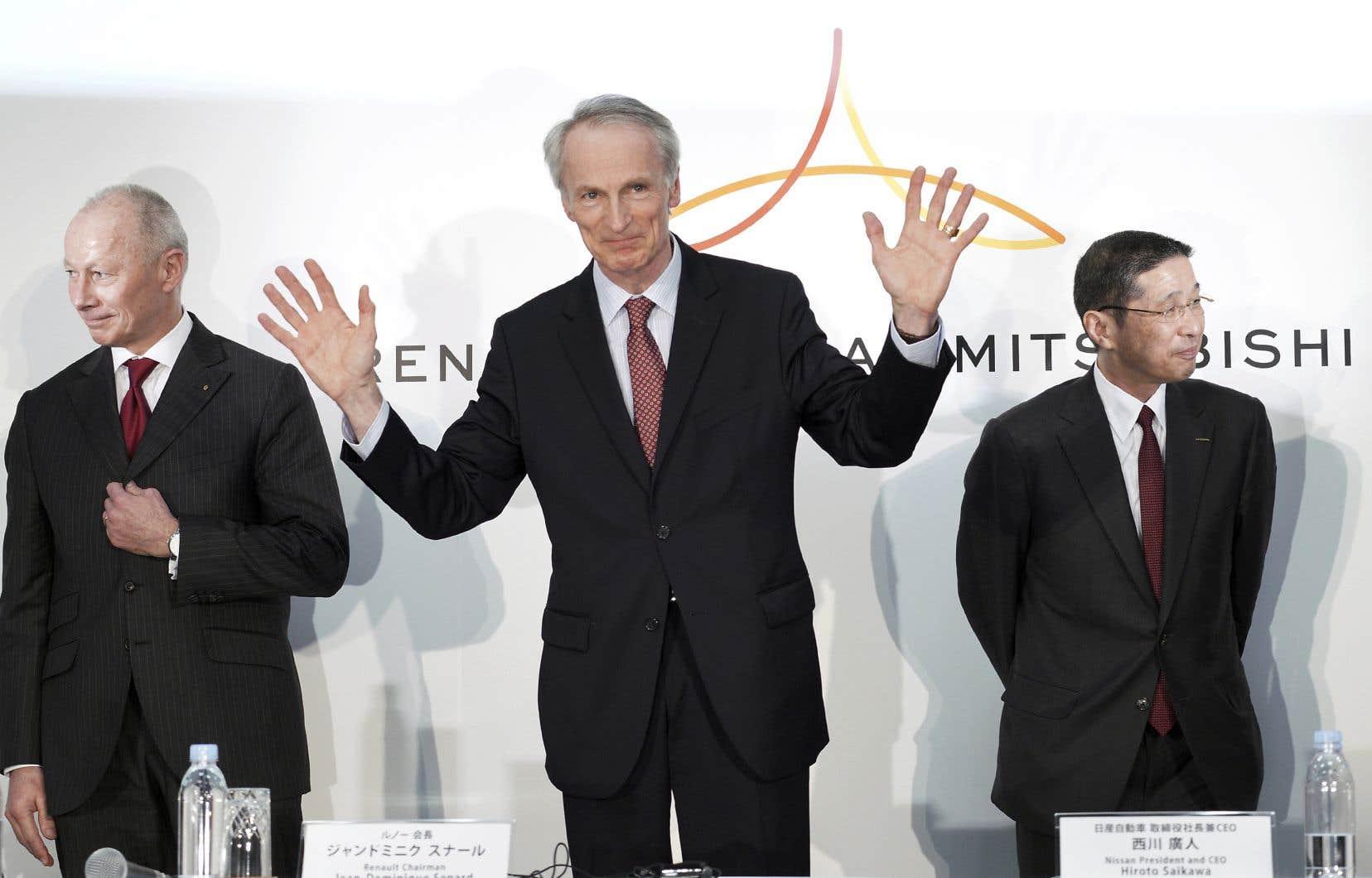 Le président de Renault, Jean-Dominique Senard (au centre), renonce à briguer la présidence de Nissan.