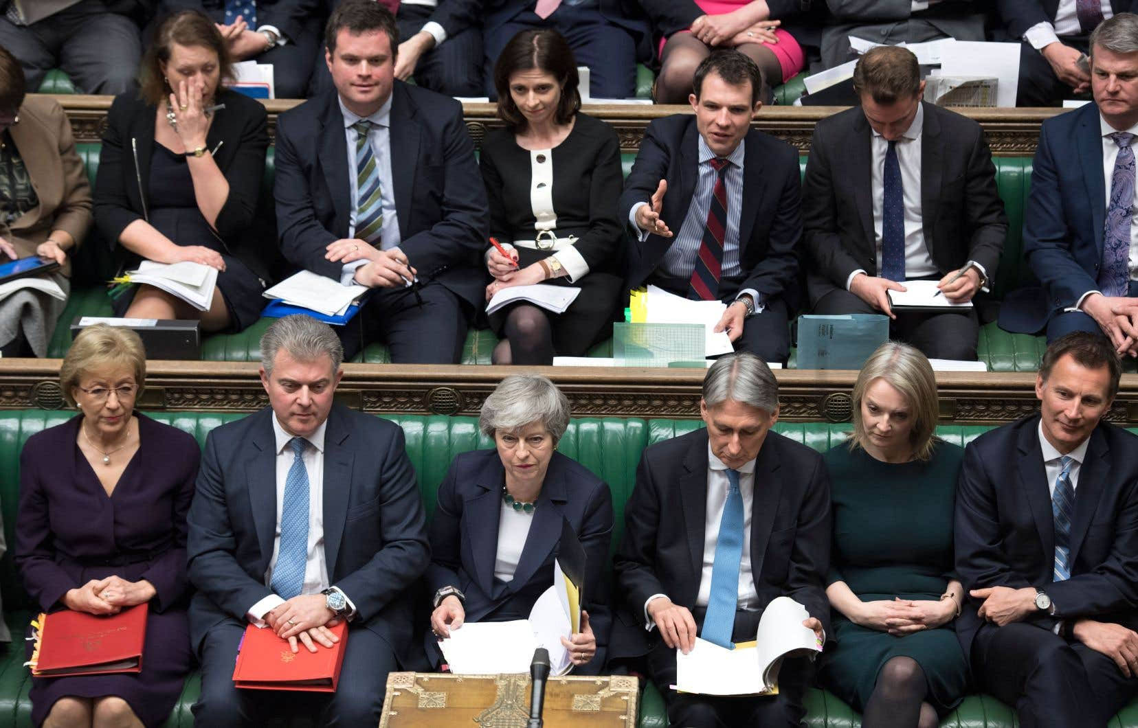 Le vote des élus britanniques faisait suite à leur deuxième refus, mardi, de l'accord négocié par Theresa May pour un Brexit qui maintient le pays dans la plus grande incertitude.