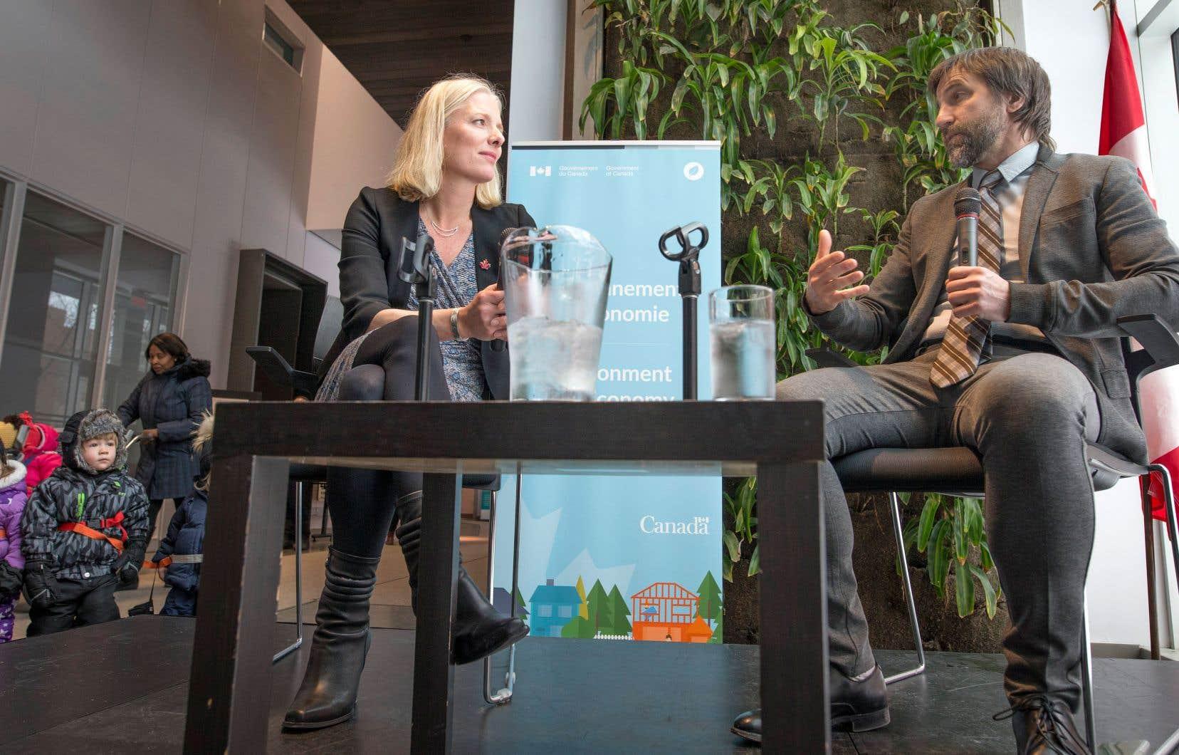 La ministre canadienne de l'Environnement, Catherine McKenna, participait jeudi avec Steven Guilbeault, conseiller spécial du gouvernement Trudeau, à une discussion sur le plan climatique du pays.