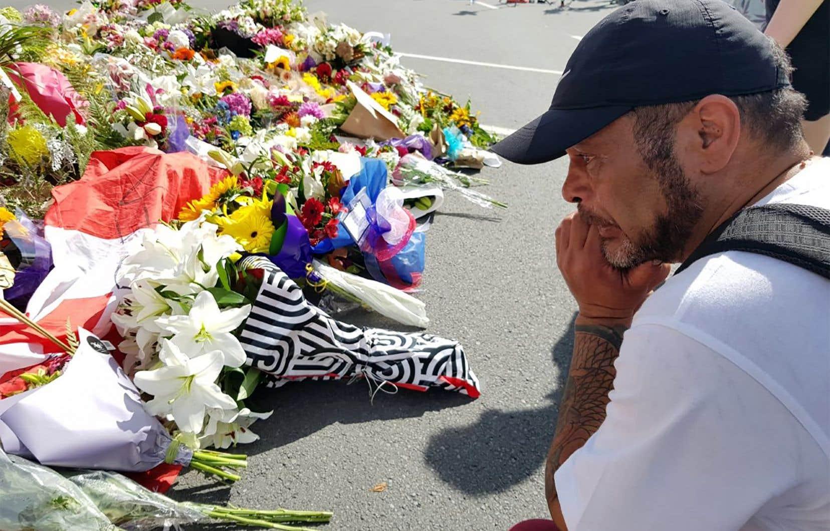 L'attentat, qui a soulevé une vague de condamnations à travers le monde, serait le plus meurtrier de l'époque contemporaine contre des musulmans dans un pays occidental.