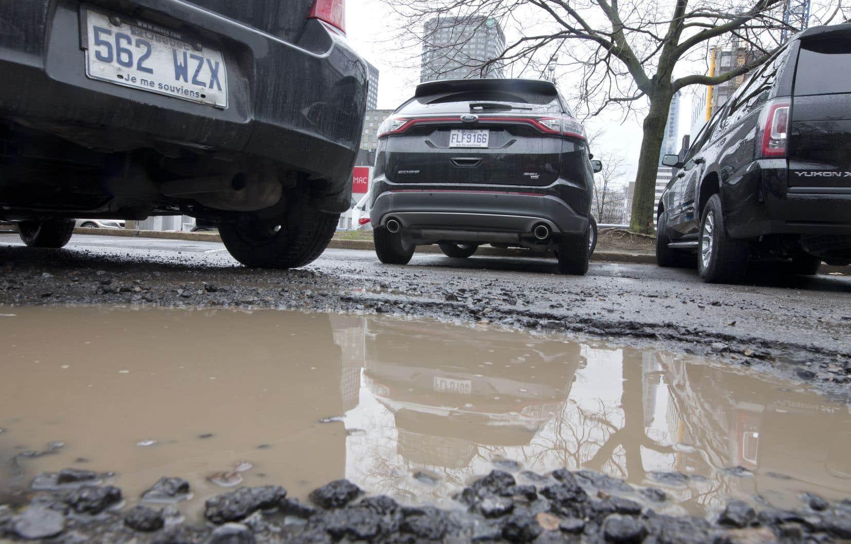Les automobilistes ont du mal à se faire indemniser pour les bris que les nids-de-poule occasionnent aux pneus, aux roues ou à la suspension de leur véhicule.