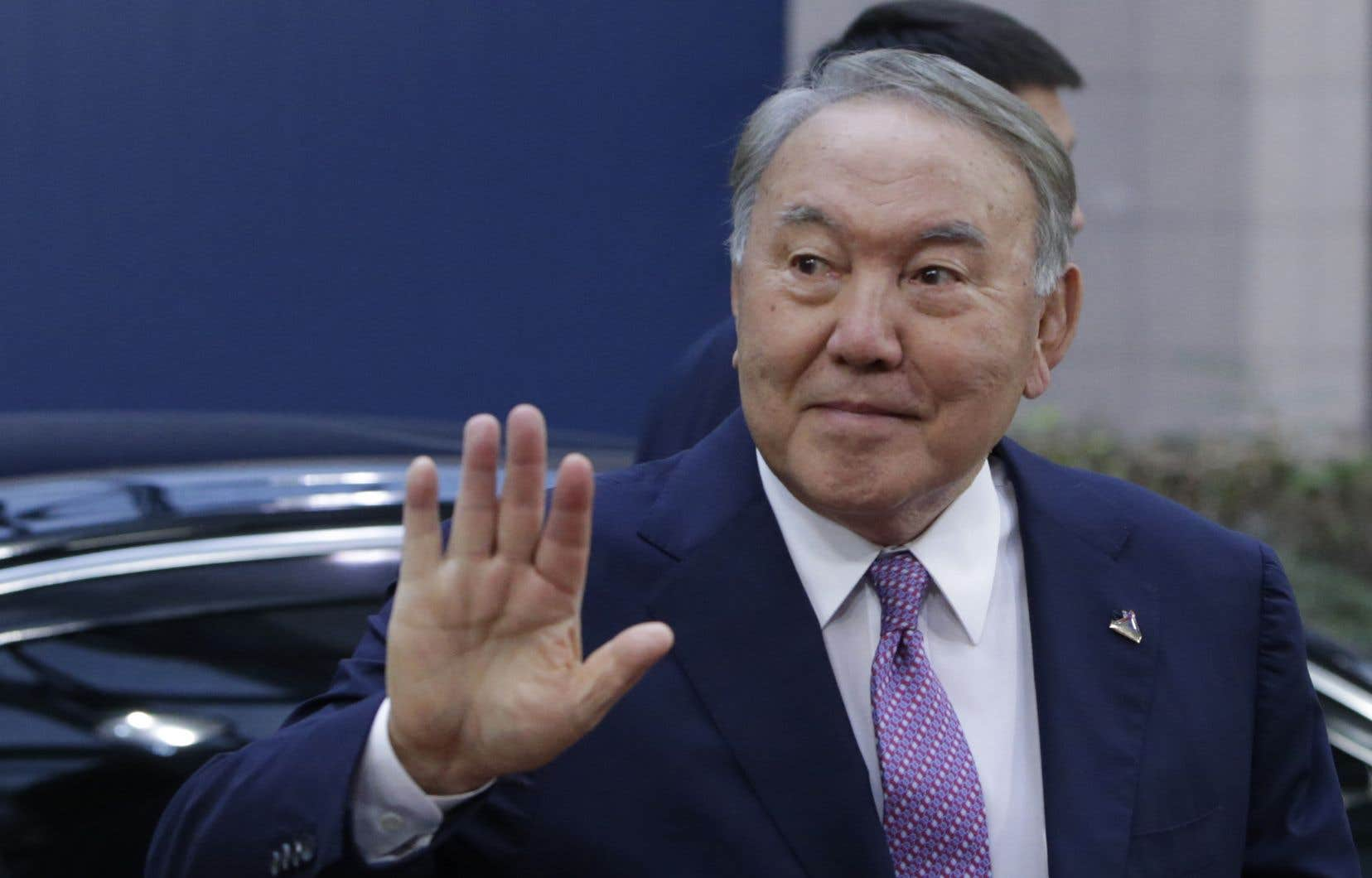 NoursoultanNazarbaïev était le dernier dirigeant de l'ex-URSS au pouvoir sans discontinuer depuis la dissolution de l'Union soviétique en 1991.