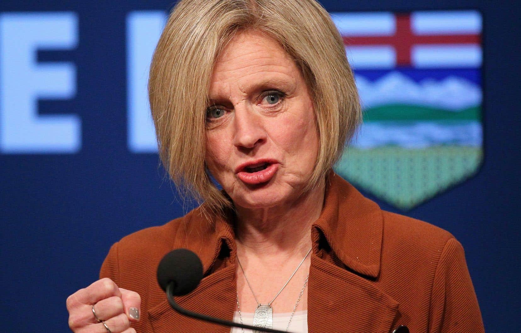 <p>La première ministre albertainea également critiqué l'ancien gouvernement progressiste-conservateur.</p>