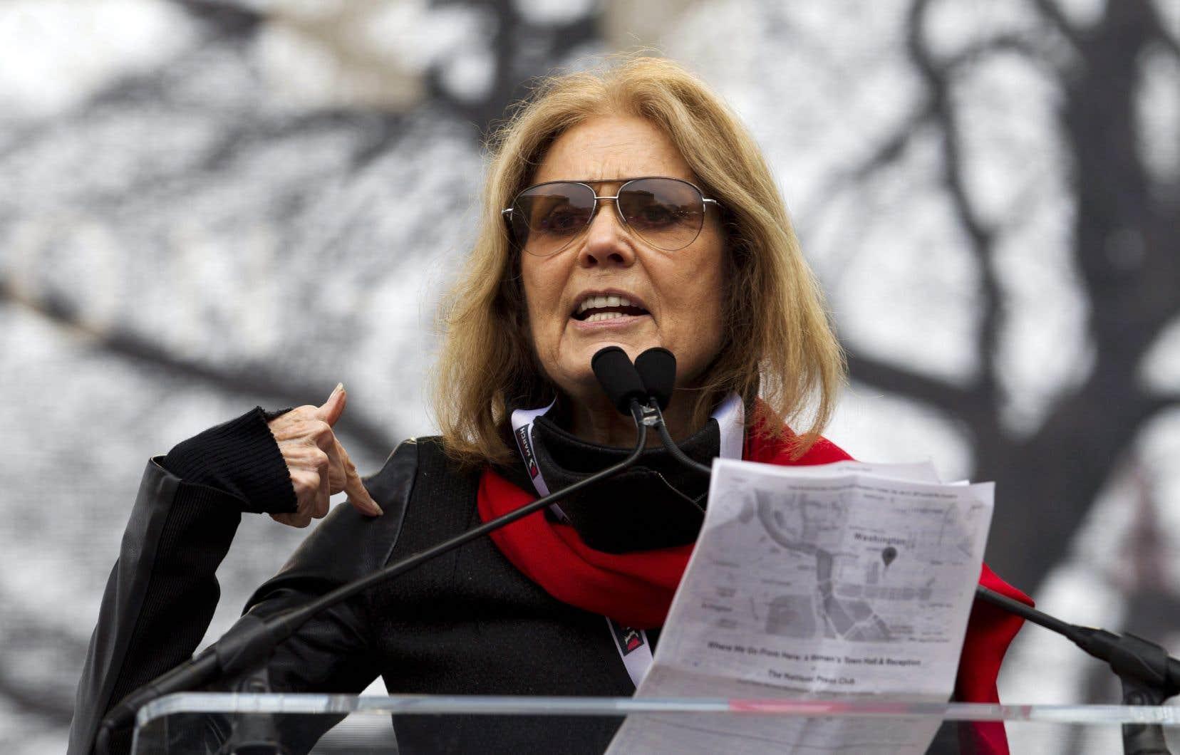 Gloria Steinem lors d'un discours durant la marche des femmes à Washington le 21 janvier 2017