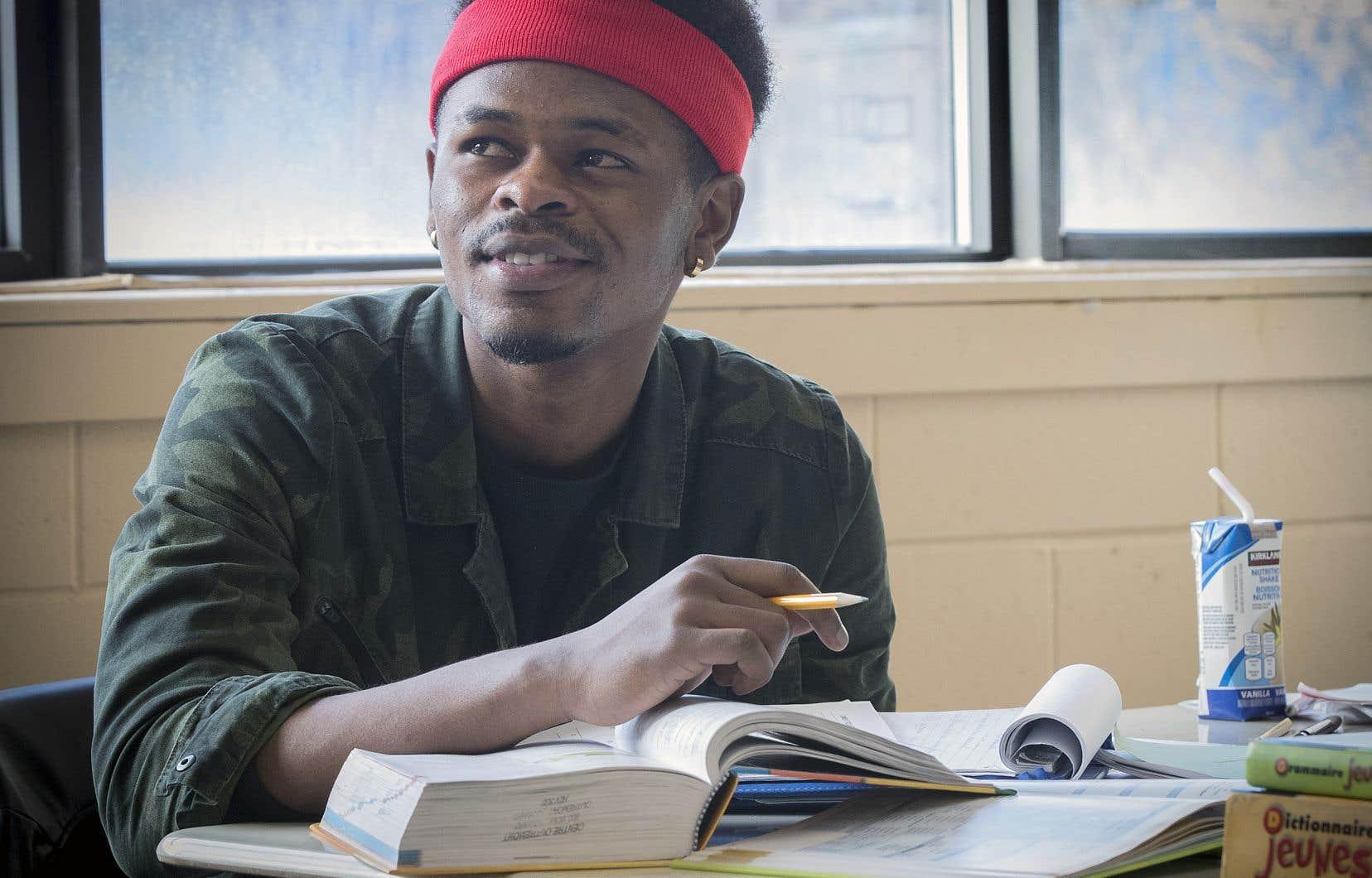 Dieudonné Tumba, 19 ans, orienté vers les classes d'alphabétisation car il avait des lacunes trop importantes.