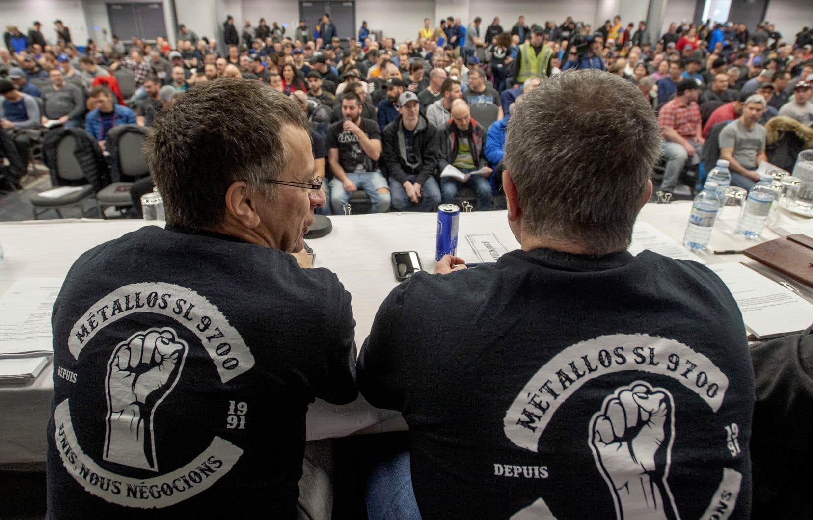 Les deux principaux points en litige, dans le conflit de travail des employés de l'Aluminerie de Bécancour, étaient le régime de retraite et le respect du critère de l'ancienneté dans les mouvements de main-d'oeuvre.