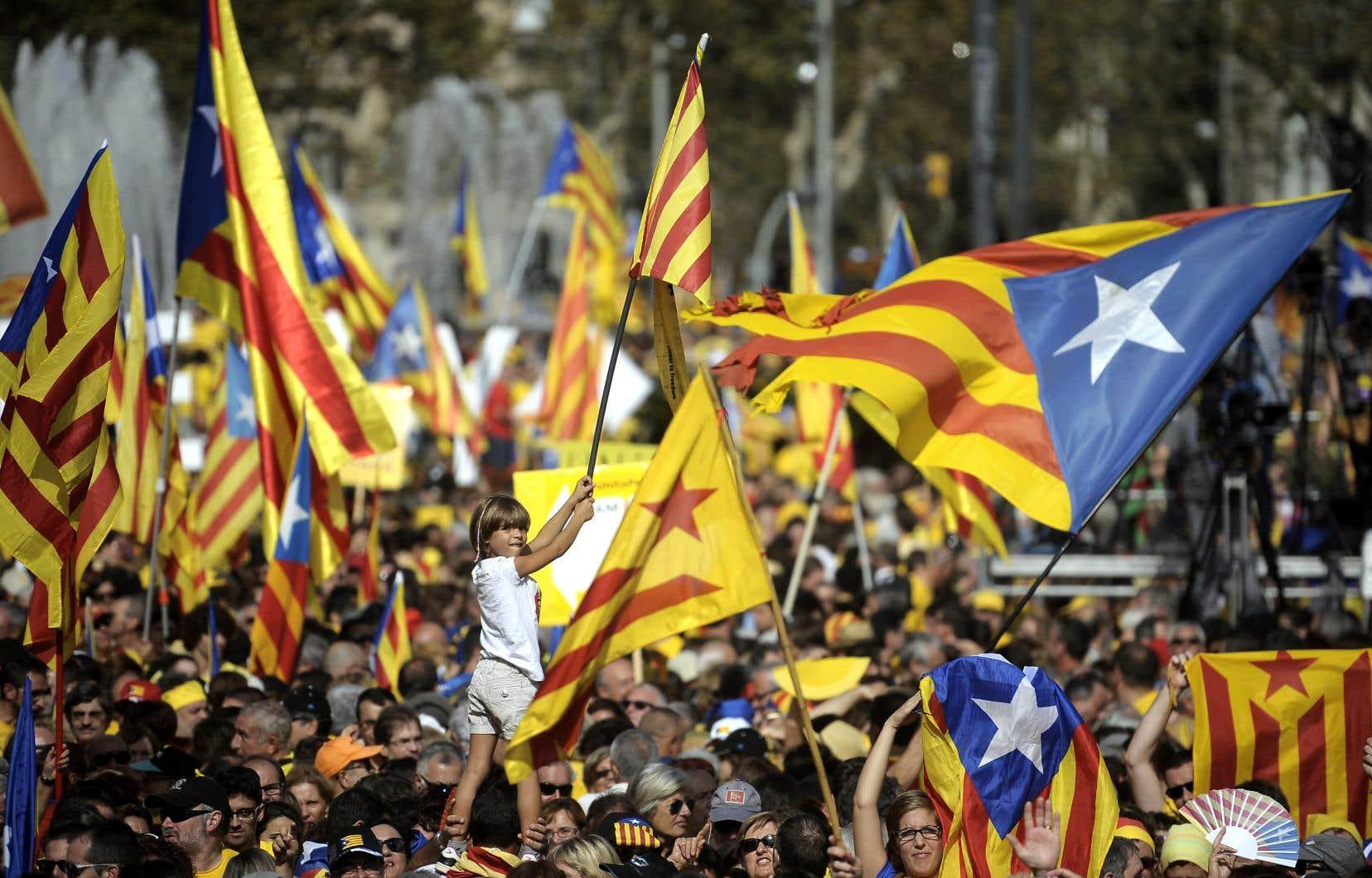 Il me semble que l'heure est venue — «Ara és l'hora», un des slogans 2014 de l'ANC —, comme le chantait Félix, pour le regroupement des forces vives du Québec, la fondation d'une entité véritablement non partisane inspirée du modèle catalan.