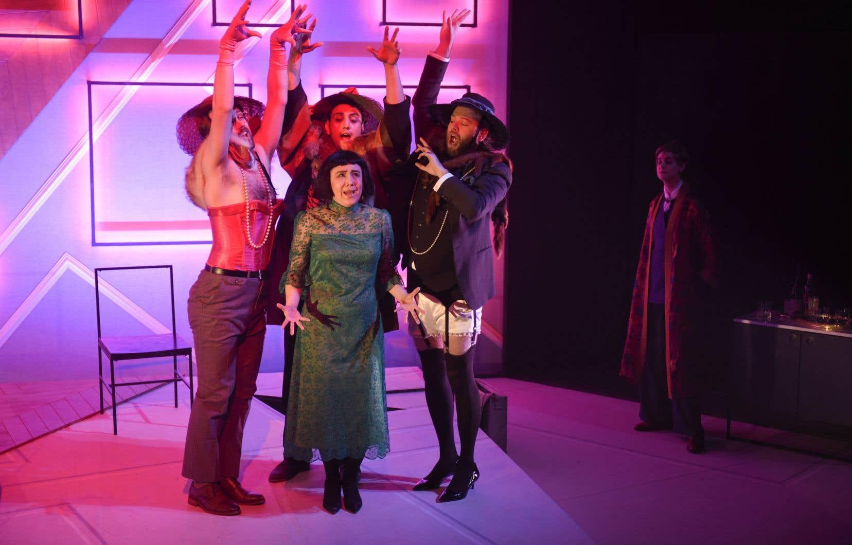 Le spectacle est monté avec beaucoup d'idées visuelles et défendu par une équipe très solide de jeunes chanteurs.