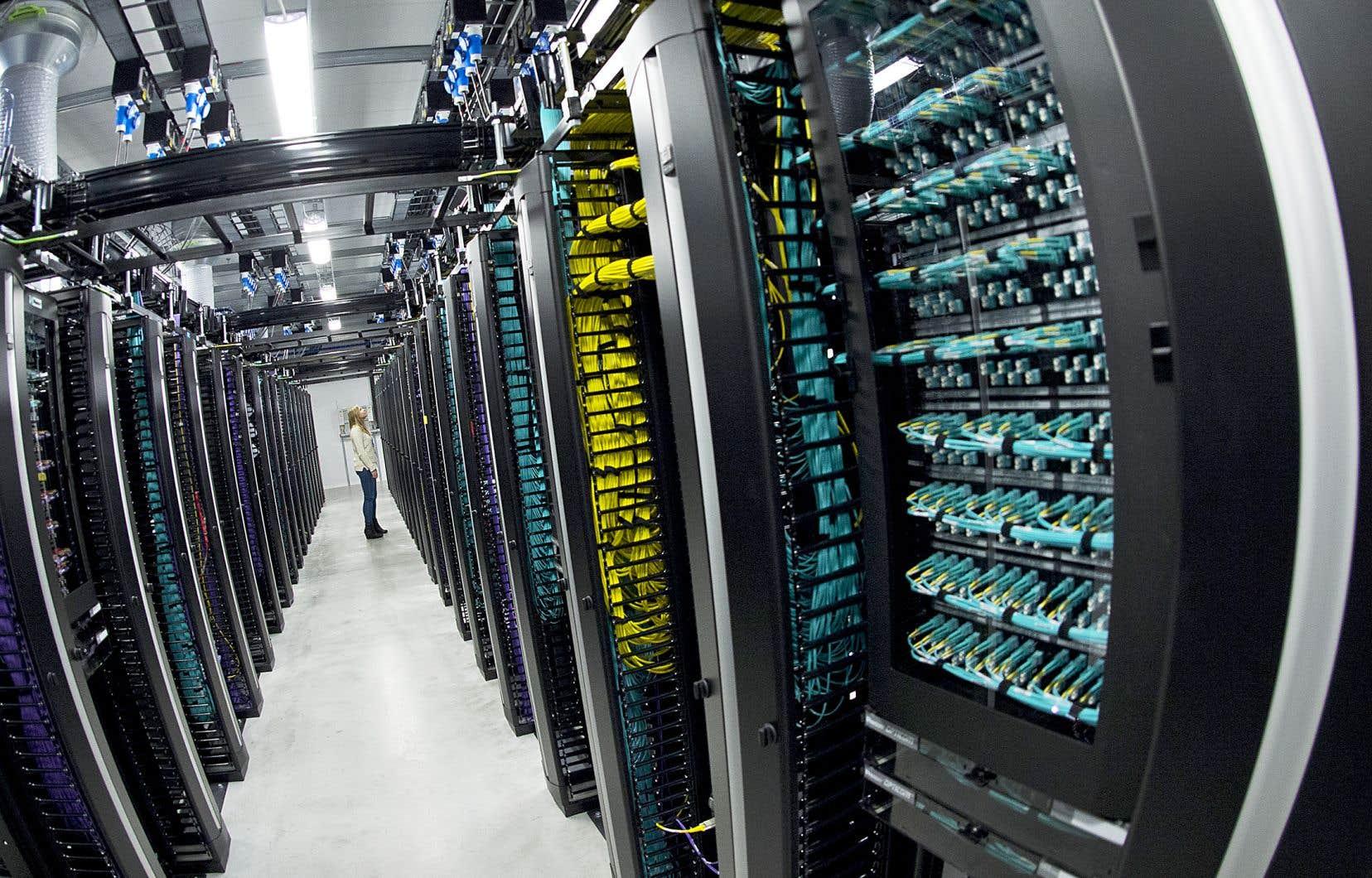 Depuis 2017, Québec et Ottawa auraient investi près de 2,5milliards de dollars en infrastructures techniques, comme des centres de données et des réseaux sans fil plus performants, et en «infrastructures de la connaissance», comme des laboratoires de recherche ou des incubateurs.