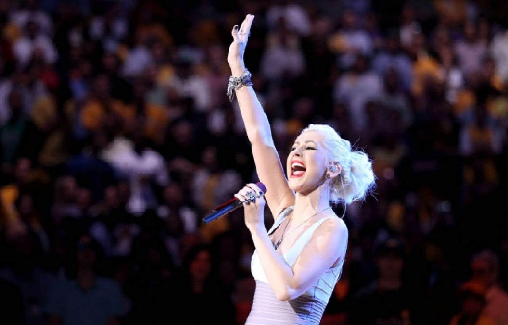 La chanteuse pop bonbon Christina Aguilera, encore une grosse pointure il y a à peine deux ans, a dû annuler sa tournée cette année.<br />