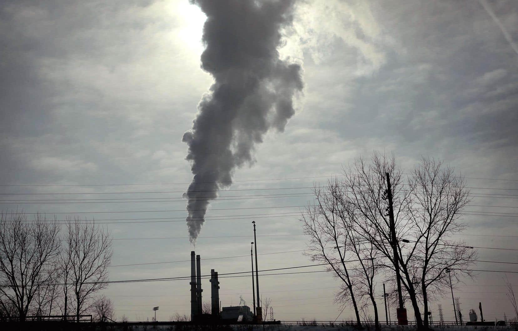 Les émissions liées au seul charbon, le pire des combustibles fossiles, ont dépassé les 10 milliards de tonnes l'an dernier.