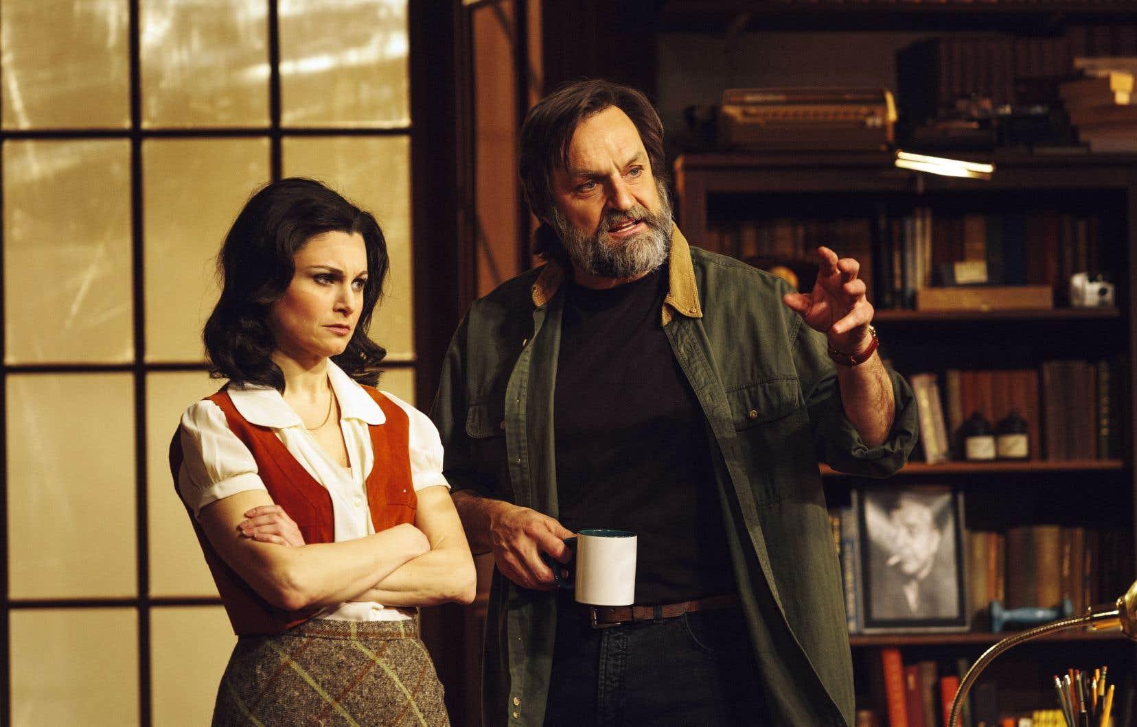 Benoît Gouin et Émilie Bibeau campent respectivement les rôles de Frank et de Rita dans cette production présentée sur la scène du Rideau vert.
