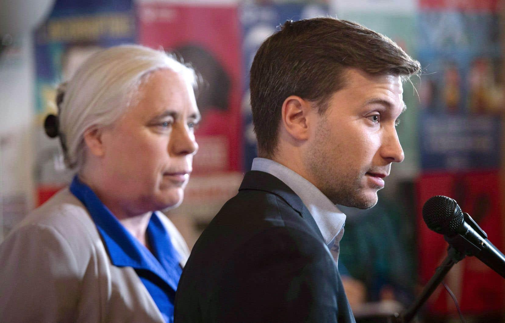 Les co-porte-parole solidaires, Manon Massé et Gabriel Nadeau-Dubois, au lendemain des élections québécoises d'octobre dernier