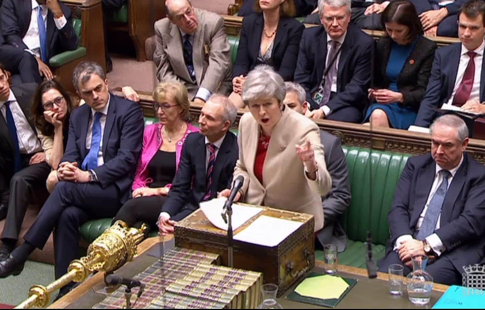 Le texte a déjà été rejeté vendredi par les députés par 344 voix contre 286.