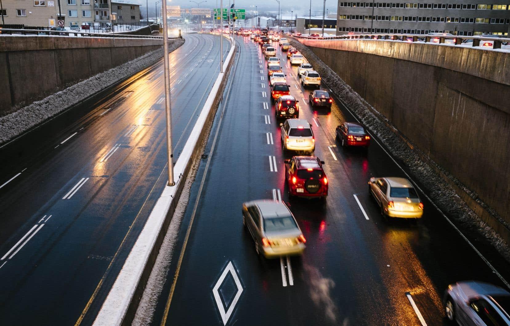 «Cette date-là du 16mars pour le changement des pneus est un peu utopique dans le climat du Québec», affirme le météorologue André Monette.