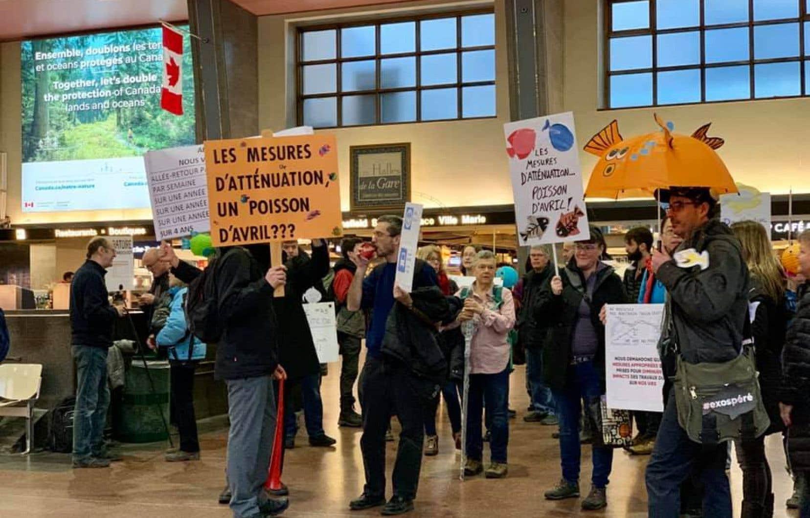 La page Facebook du Mouvement Train Deux-Montagnes affiche de nombreuses images de la manifestation de lundi.