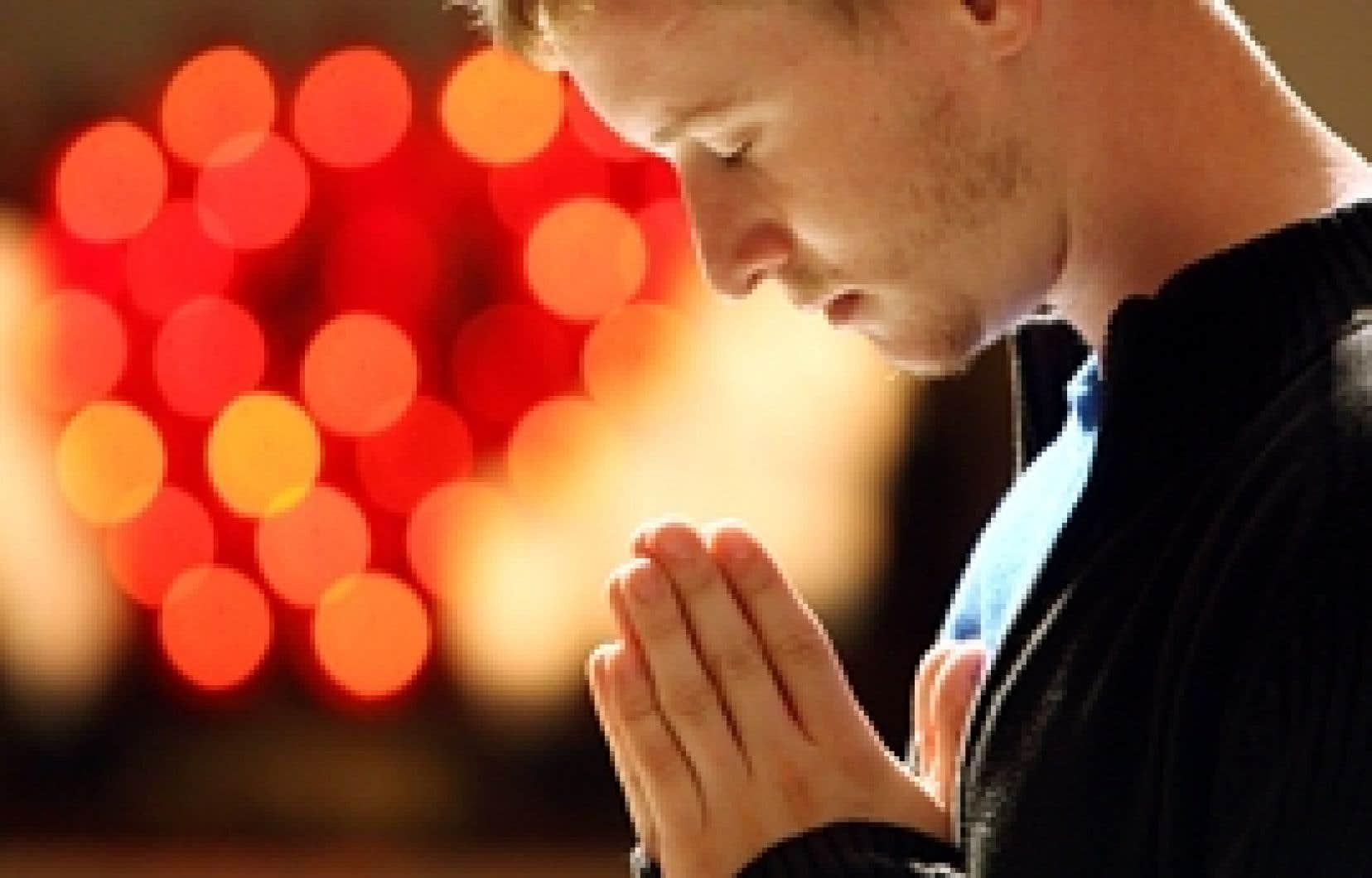 Sébastien Lévy s'est accordé un moment de recueillement hier après-midi, à la cathédrale Marie-Reine-du-Monde, à Montréal.