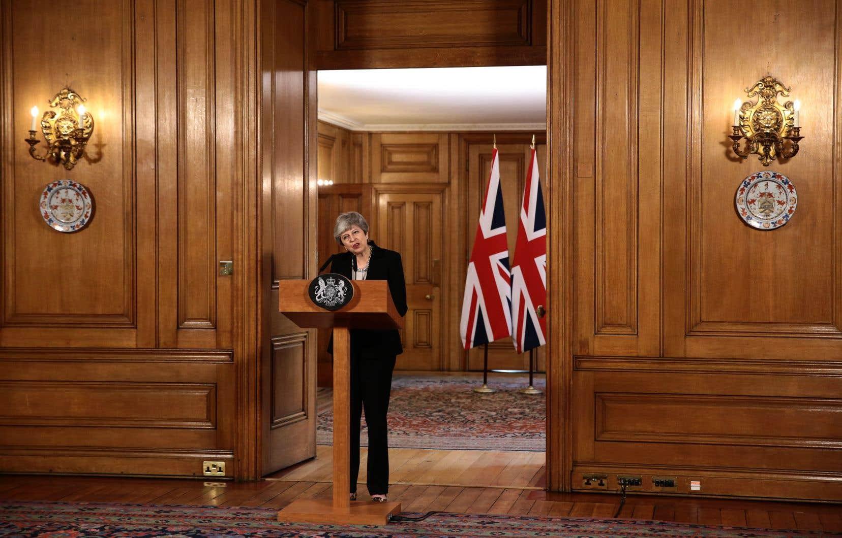 Au terme d'un Conseil des ministres de sept heures, MmeMay a indiqué que «le débat et les divisions ne pouvaient pas durer plus longtemps».
