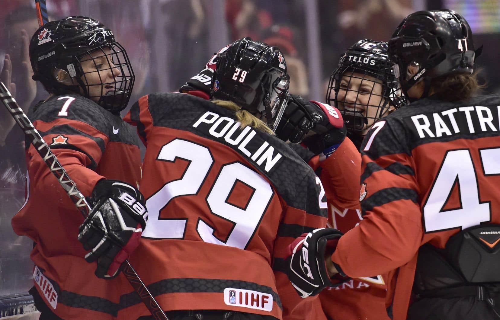 Plusieurs ont suggéré qu'une seule ligue professionnelle féminine soit en activité en Amérique du Nord. Mais est-ce que le hockey féminin est prêt?