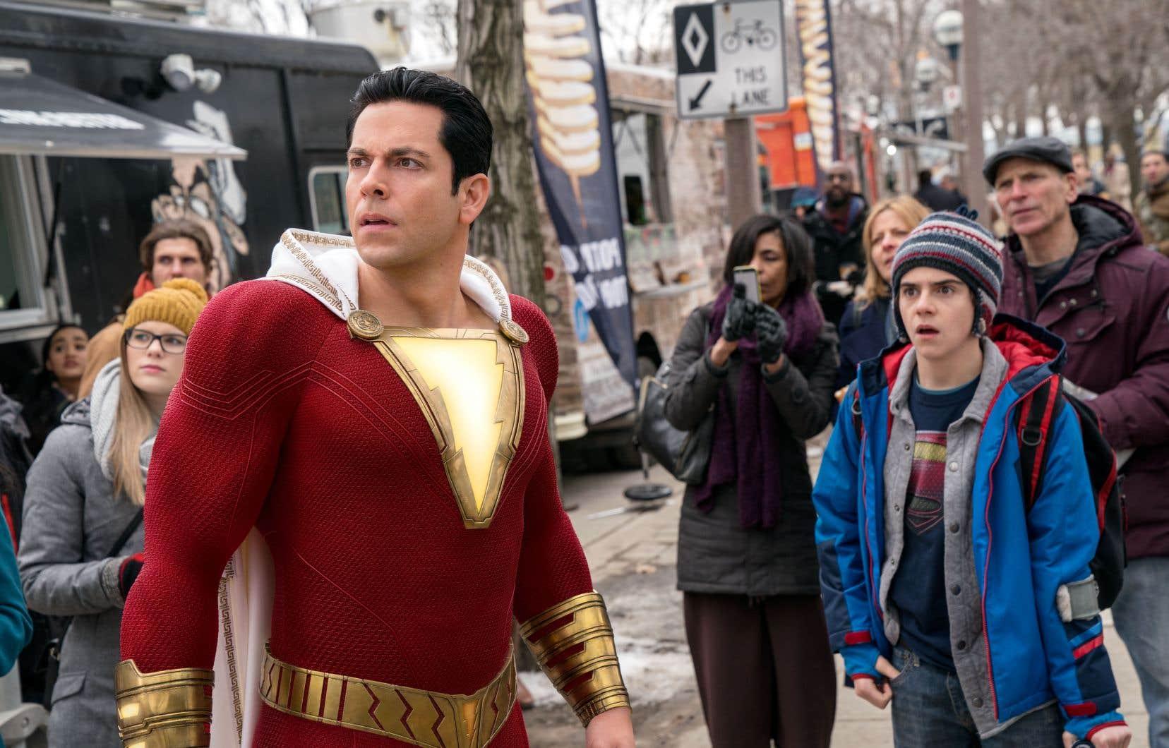 Le superhéros adulte (Zachary Levi) plaît davantage que le jeune héros, mais son adaptation est trop facile.