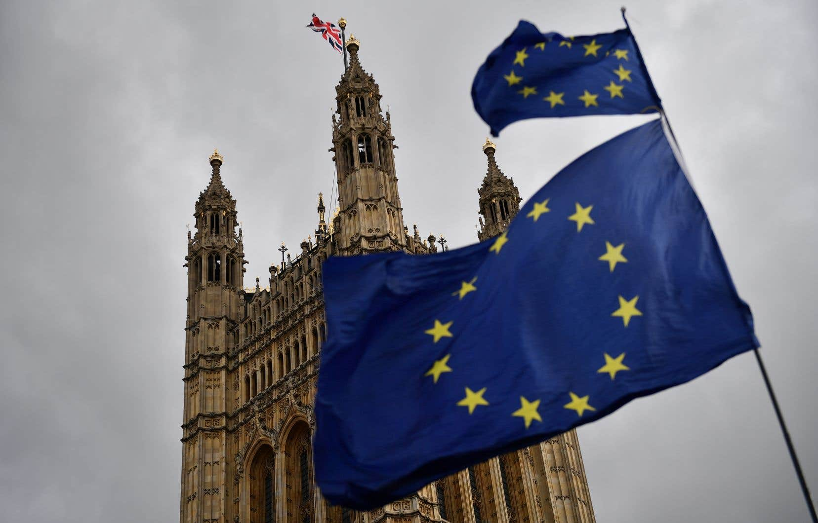Les députés britanniques ont rejeté trois fois l'accord de retrait négocié entre Londres et Bruxelles.