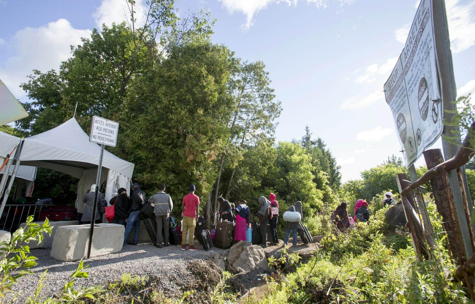 Depuis le début de l'année 2019, 1671 demandeurs d'asile irréguliers ont été interceptés sur le chemin Roxham par des agents de la GRC.