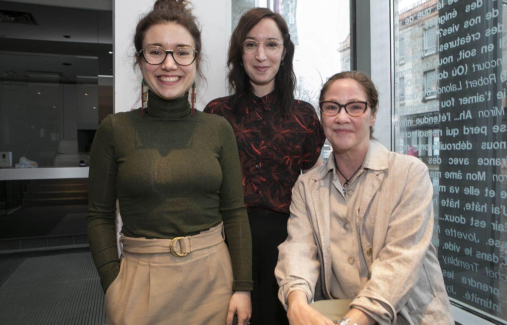 Marie-Ève Millot et Marie-Claude St-Laurent (en partant de la gauche) ont coécrit l'étude. Ginette Noiseux (à droite), directrice du Théâtre Espace Go où se déroule toute la semaine le Chantier féministe.