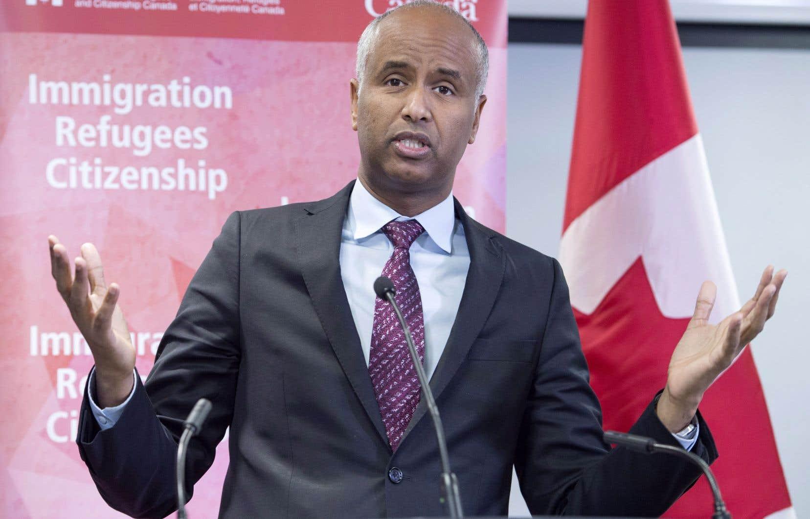 Le ministre de l'Immigration, Ahmed Hussen, estime que les demandeurs d'asile ne devraient pas effectuer une demande au Canada si celle-ci a déjà étéréclamée dans un pays qui offre un système d'asile comparable.