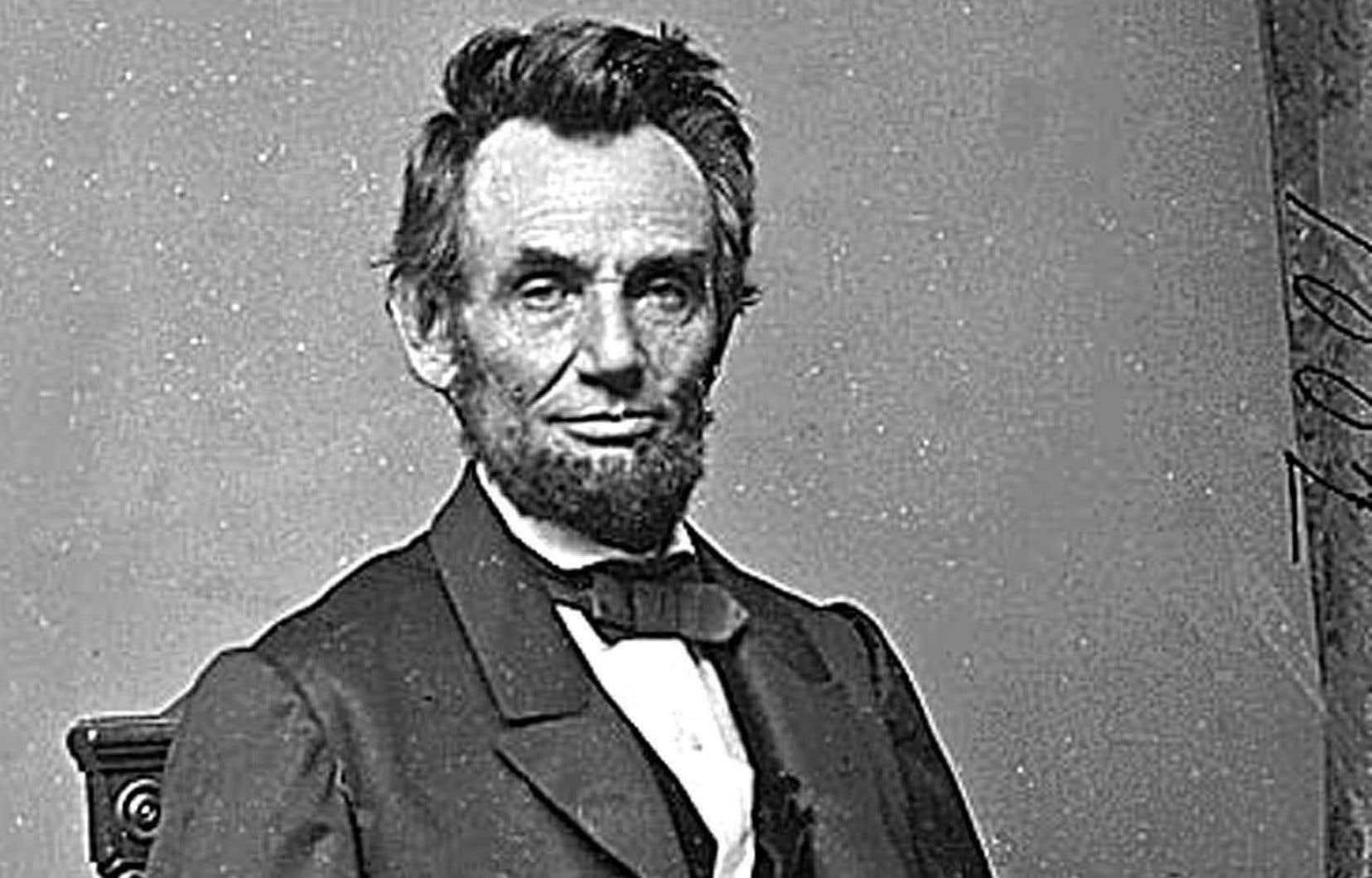 Le livre de George Sanders présente un Lincoln marqué par le deuil et la mort de trois des quatre enfants qu'il a eus avec Mary Todd, décédés avant d'arriver à l'âge adulte.