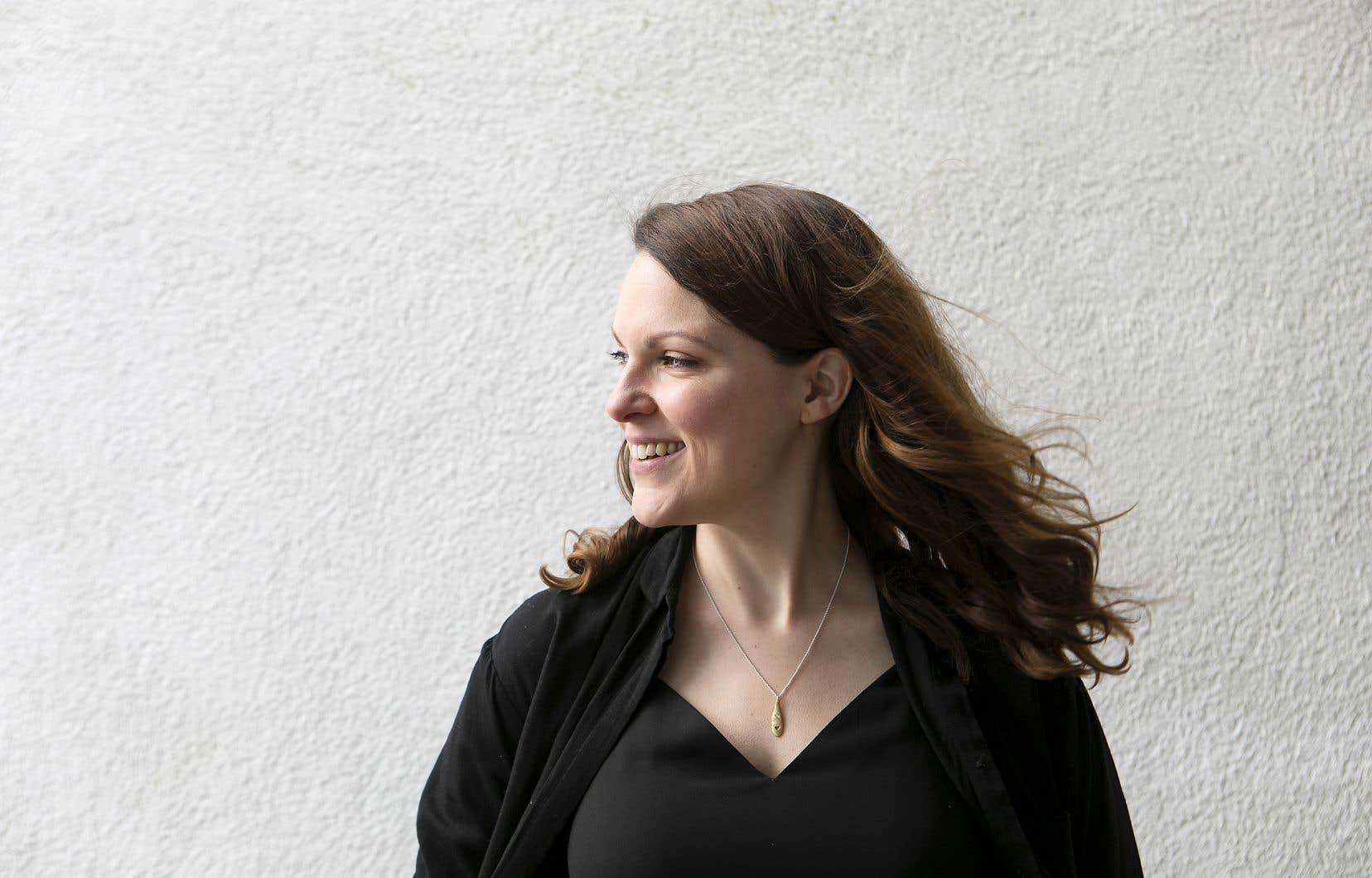 La comédienne et auteure Rachel Graton voit dans sa nouvelle pièce, «21», le reflet de son expérience de travail dans une base de plein air «avec des jeunes ayant besoin de sortir de leur milieu».
